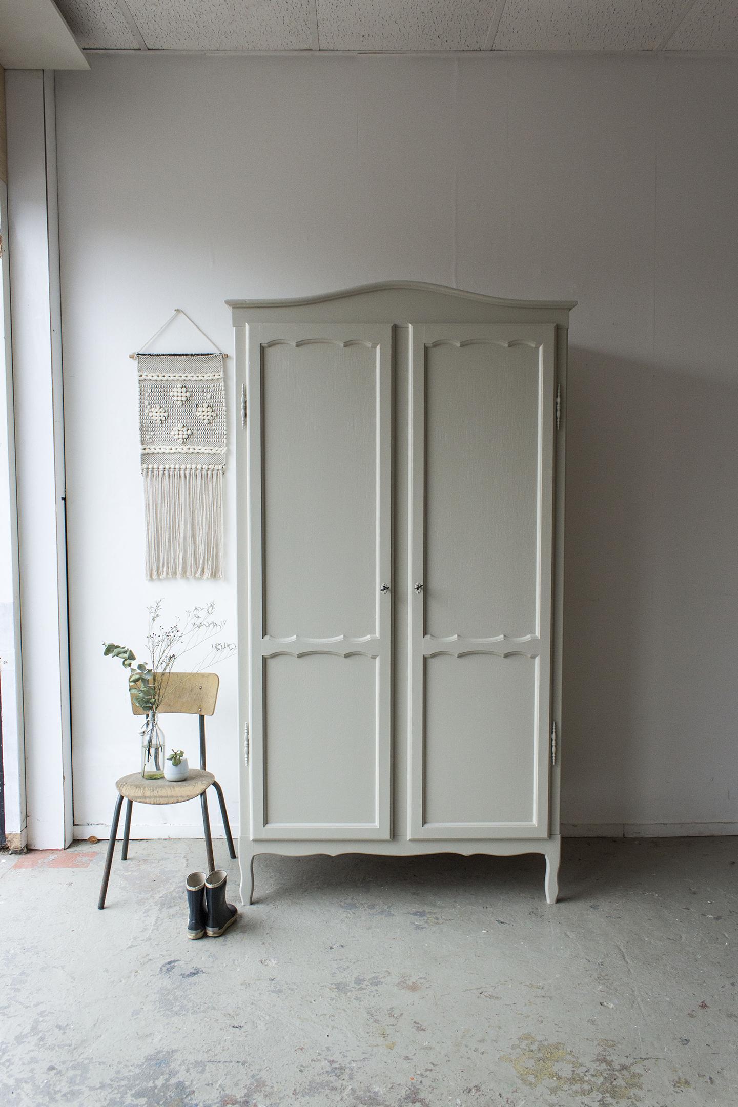 1406- demontabele sierlijke vintage kast in Linnen kleur - Firma zoethout.jpg