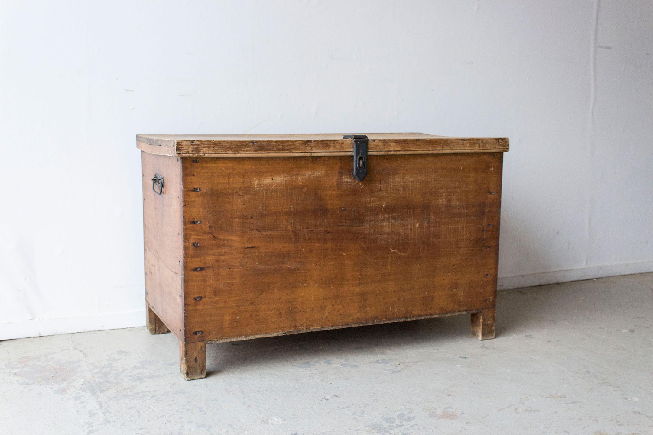 5043---grote-oude-houten-kist---Firma-zoethout_1.jpg