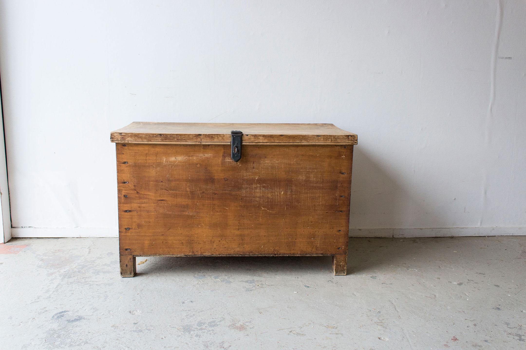 5043---grote-oude-houten-kist---Firma-zoethout.jpg