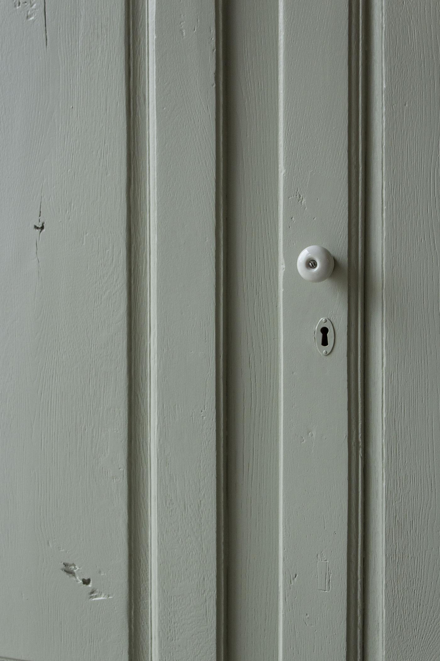 1329 - zachtgroen vintage kastje - Firma zoethout_3.jpg