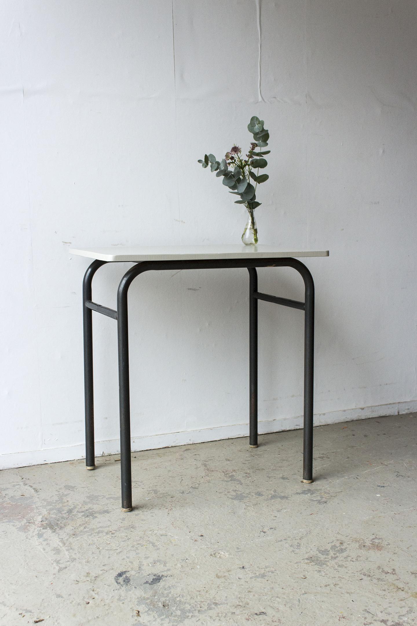 3175 - 2p schooltafel met linnen houten blad - Firma zoethout_3.jpg