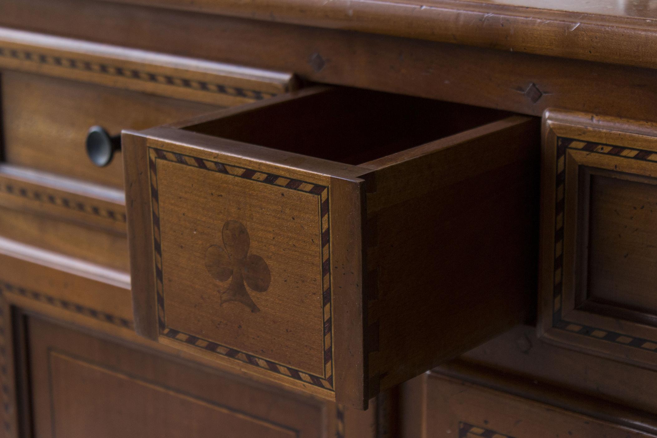 1481 - Vintage speelgoedkastje met klaverlaatje - Firma Zoethout_1.jpg