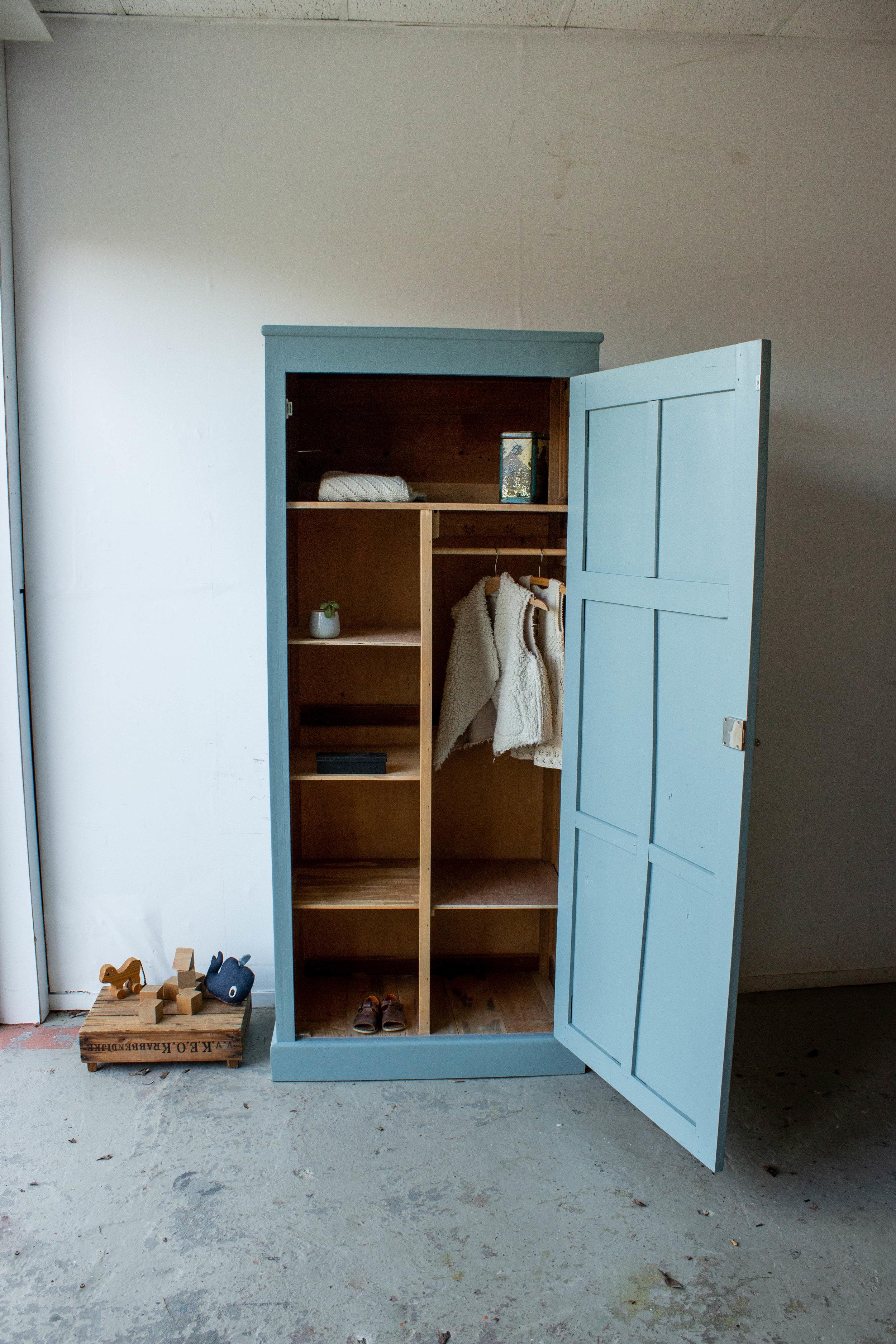1443 - Grijsblauwe vintage kledingkast-5.jpg