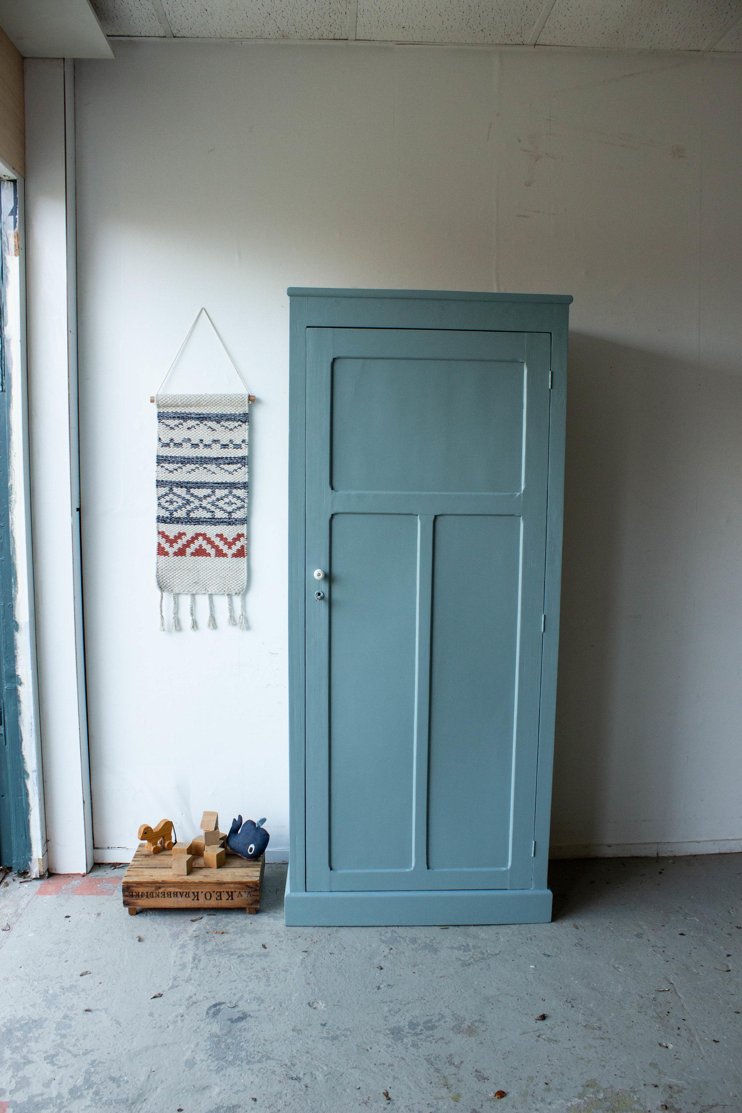 1443 - Grijsblauwe vintage kledingkast-4.jpg