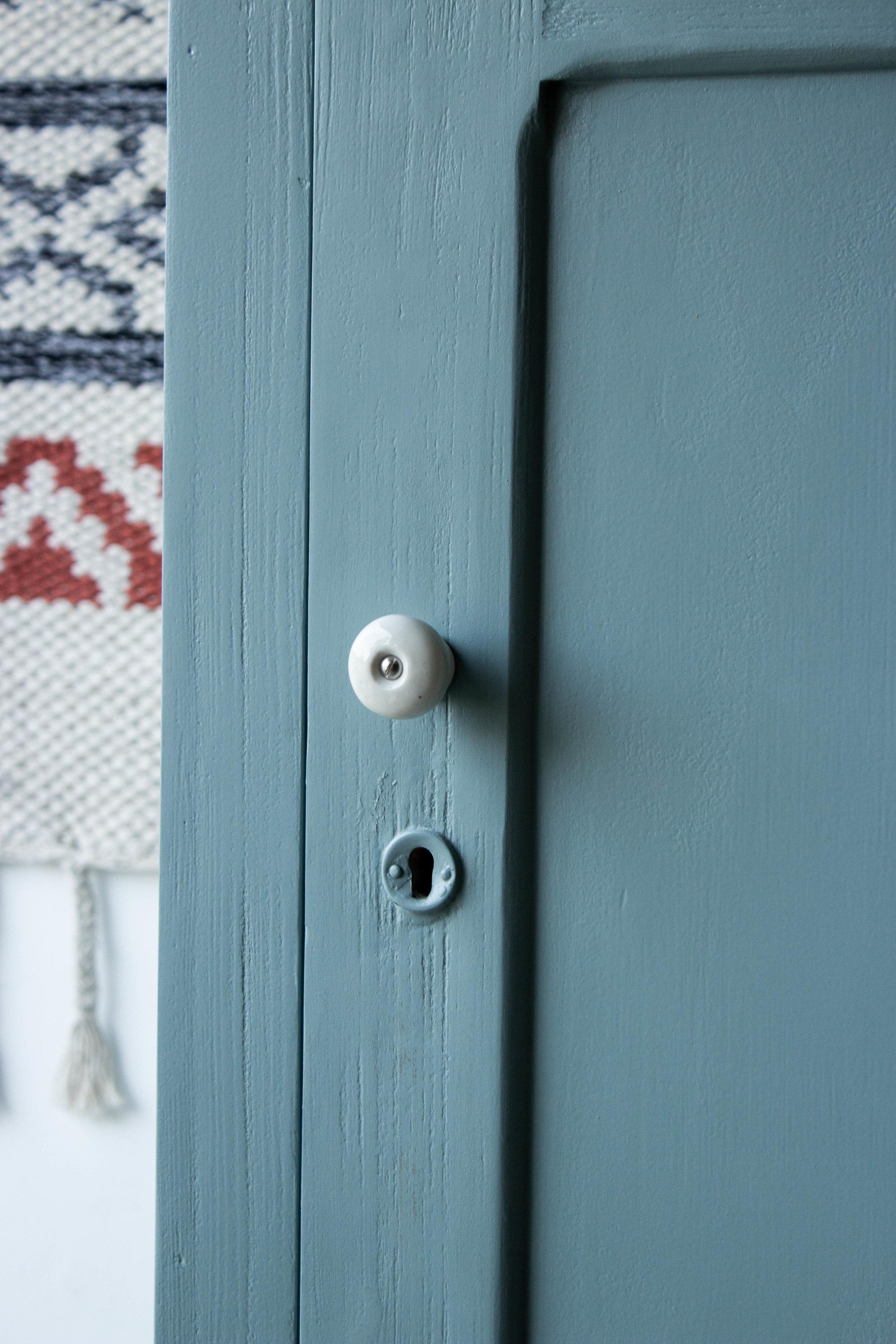 1443 - Grijsblauwe vintage kledingkast-6.jpg