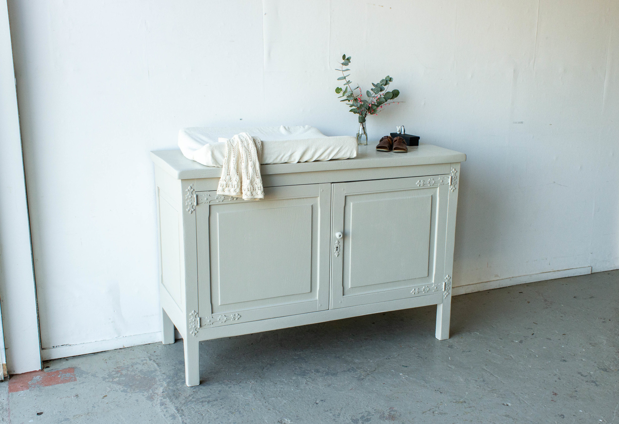 2179 - Brede commode in zachte taupe_-2.jpg