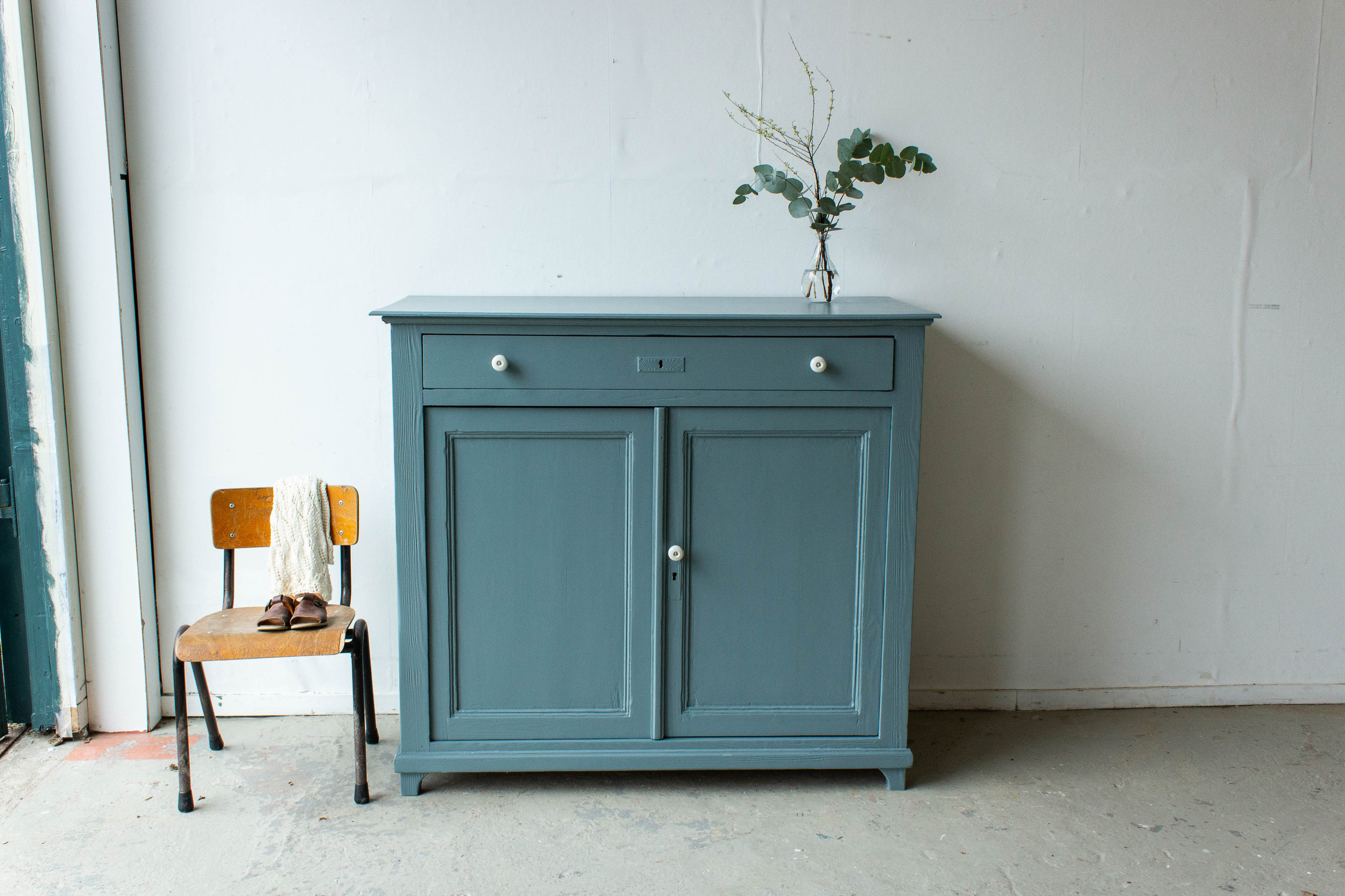 2184 - Grijsblauwe vintage commode-4.jpg