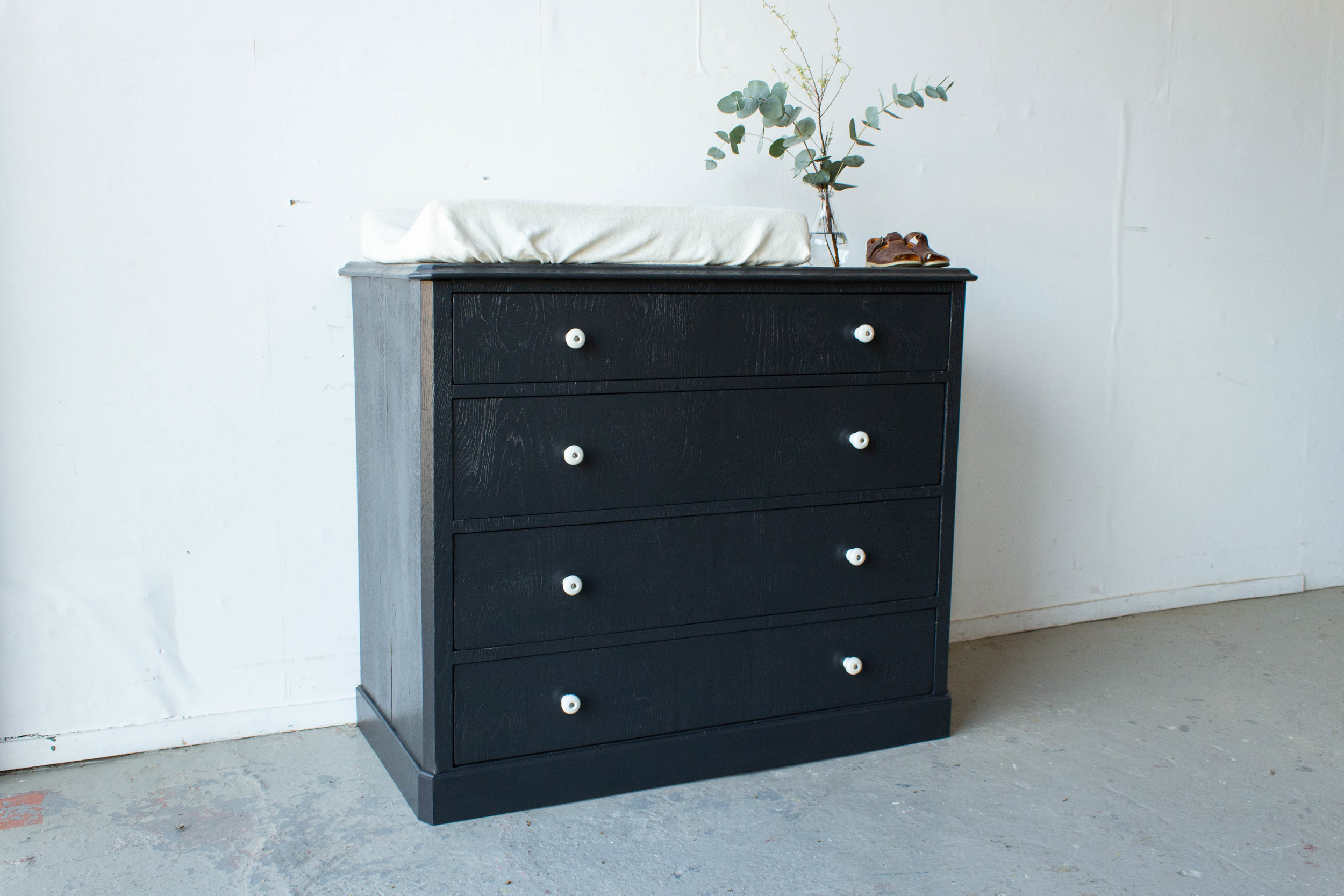 2174 - kraaizwarte commode-4.jpg