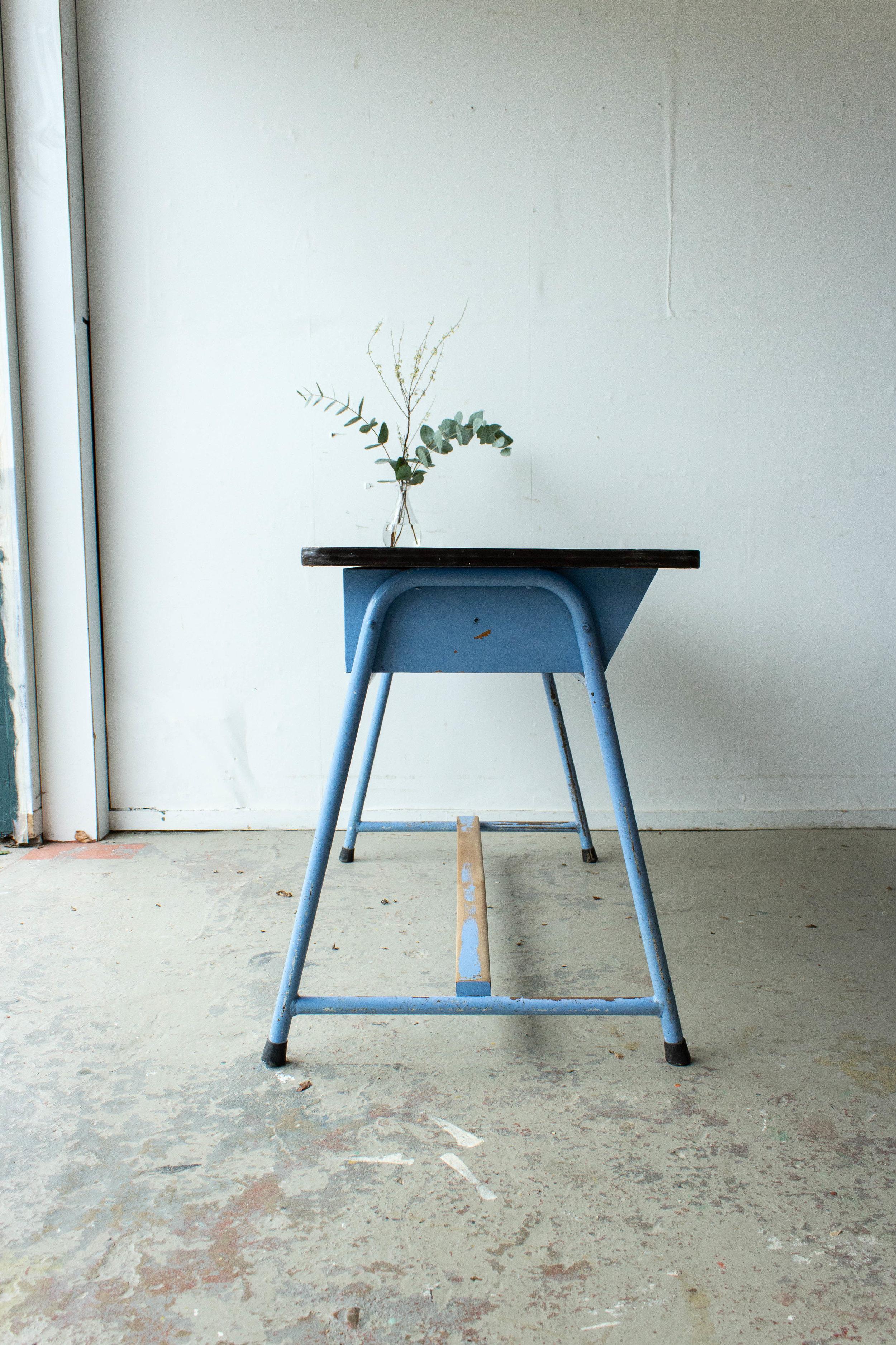 3137-4 - Lavendlblauwe vintage schooltafel-3.jpg
