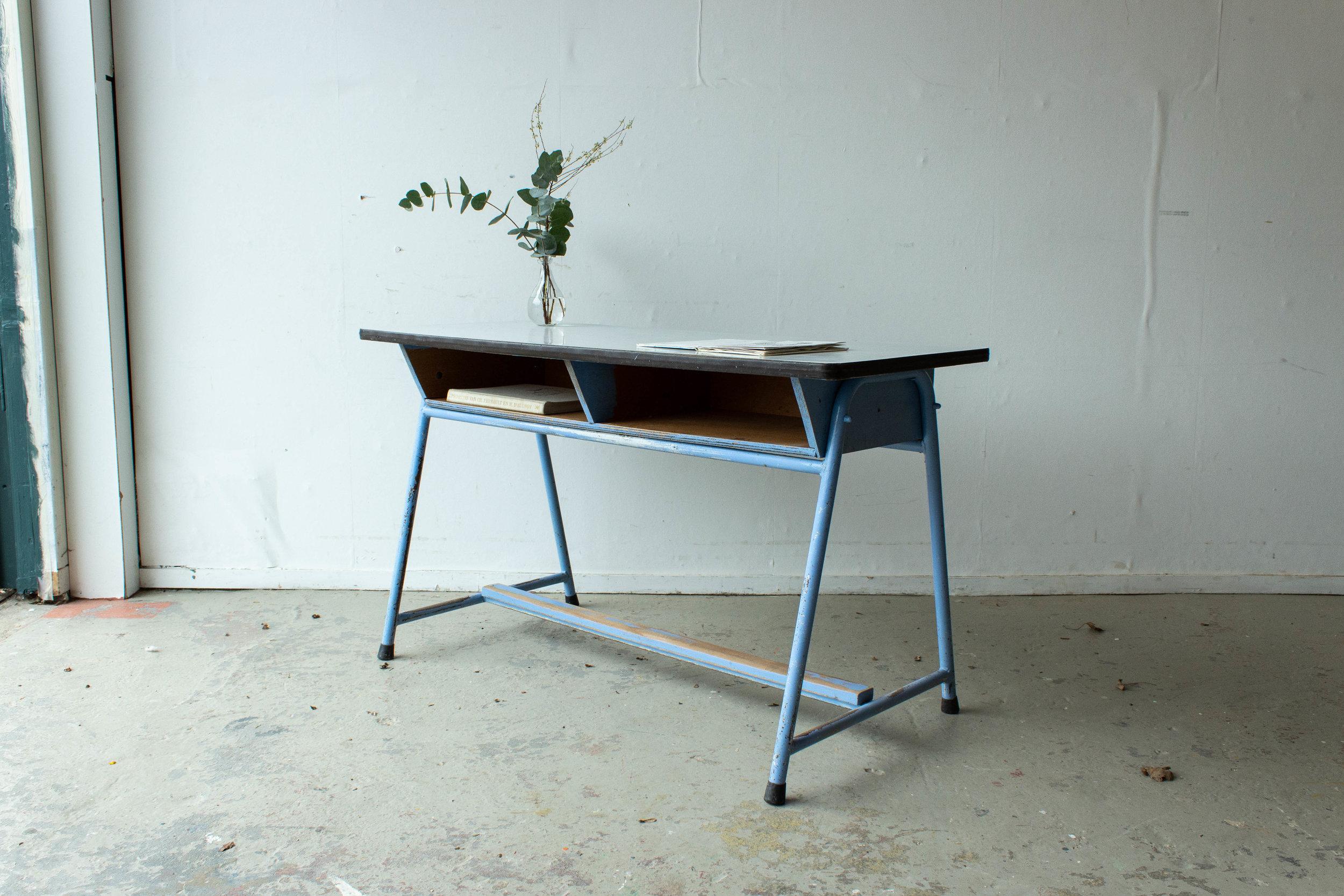 3137-4 - Lavendlblauwe vintage schooltafel-5.jpg