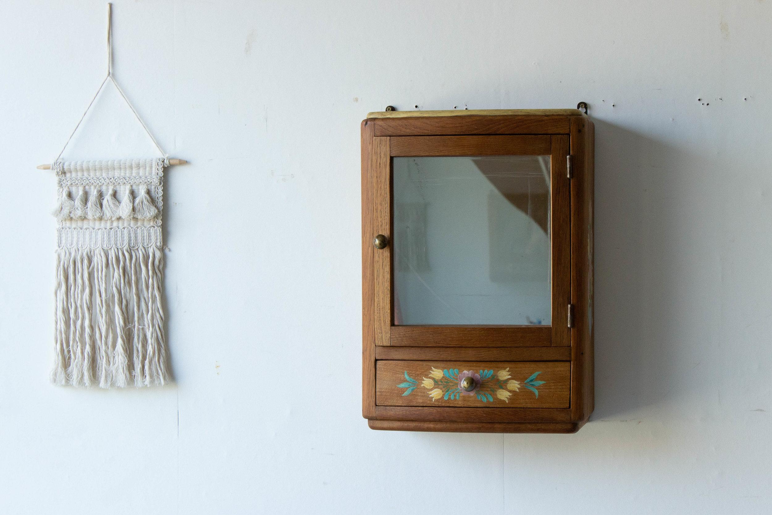 6054 - Vintage spiegelkastje met vogel-3.jpg