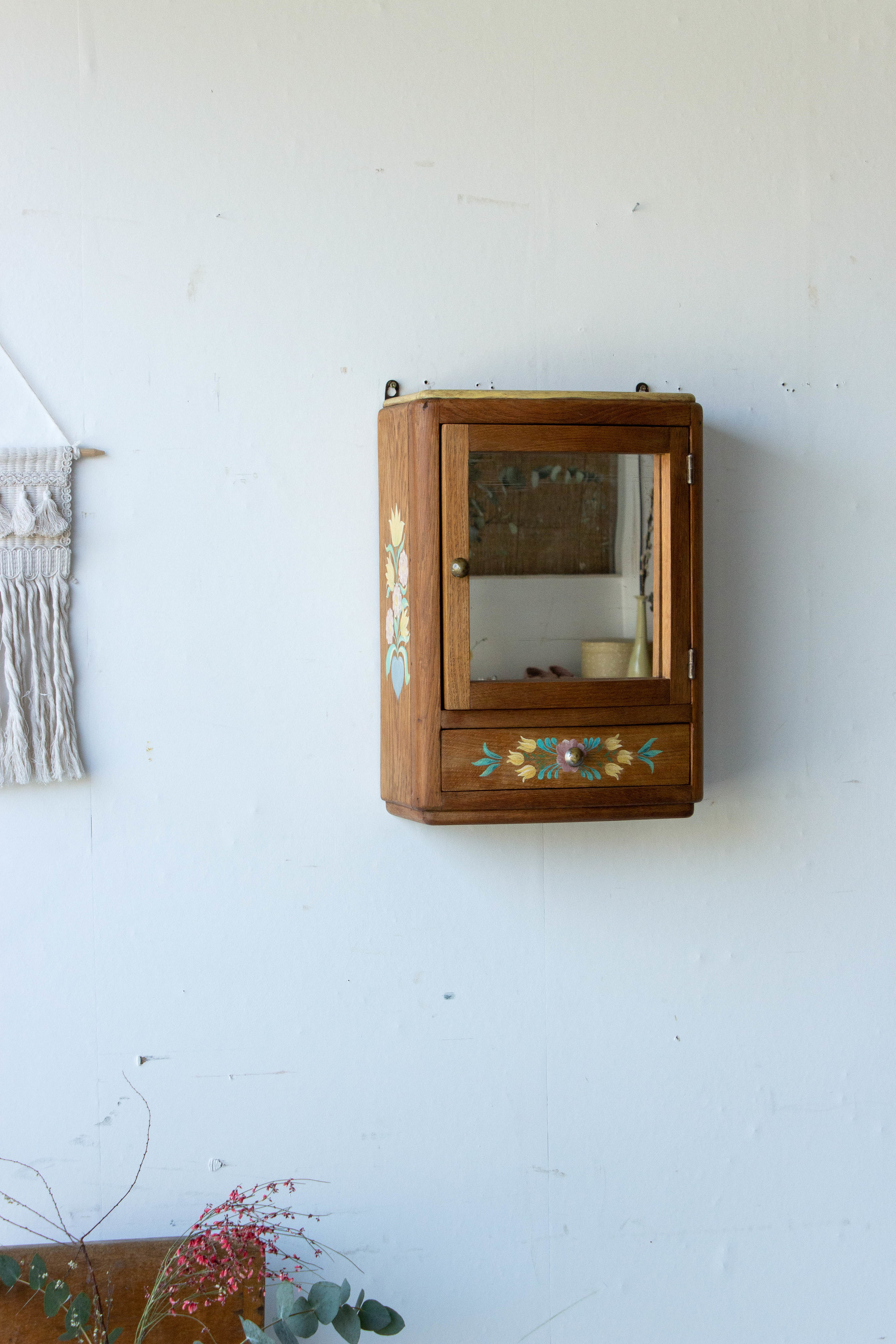 6054 - Vintage spiegelkastje met vogel-2.jpg