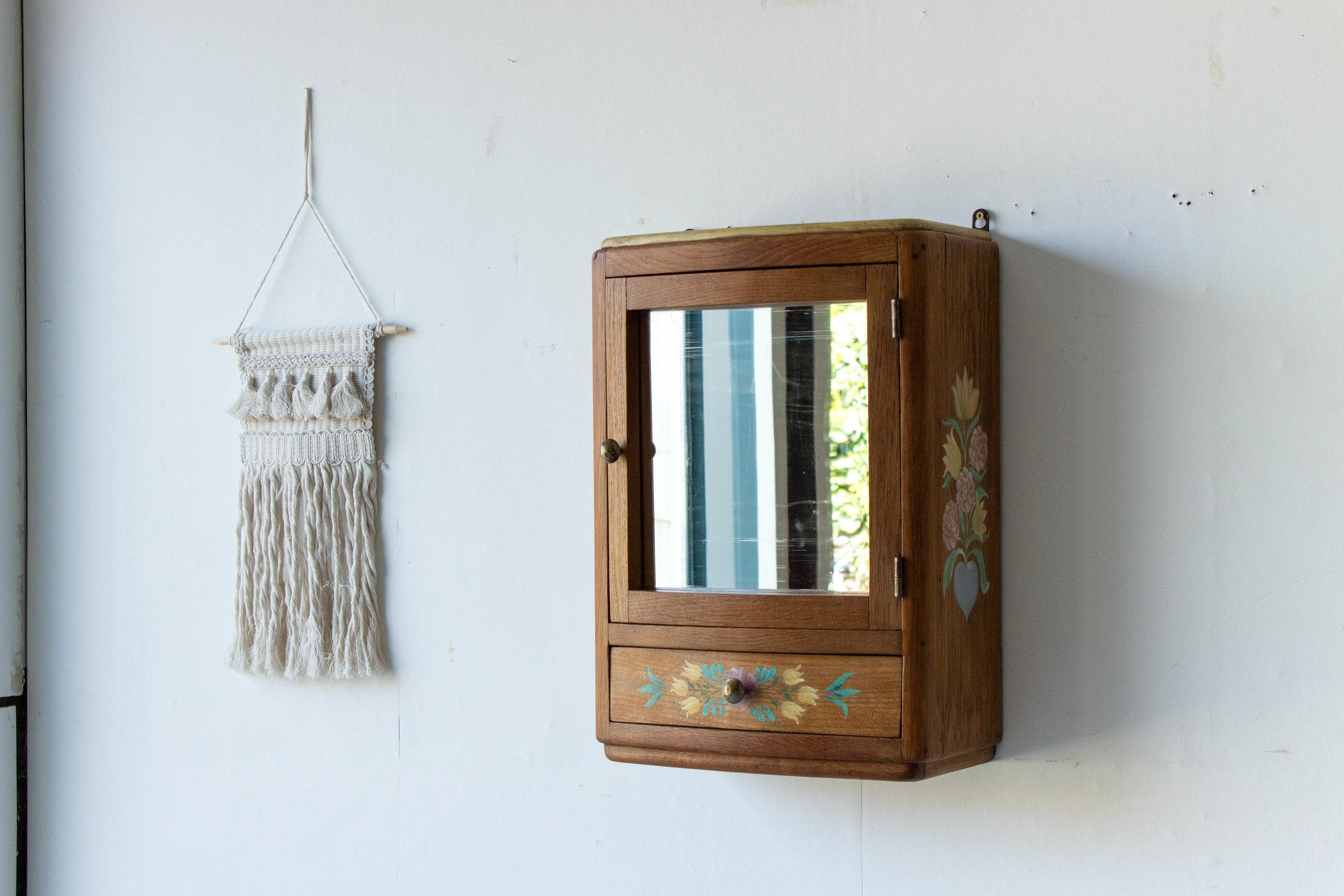 6054 - Vintage spiegelkastje met vogel-6.jpg