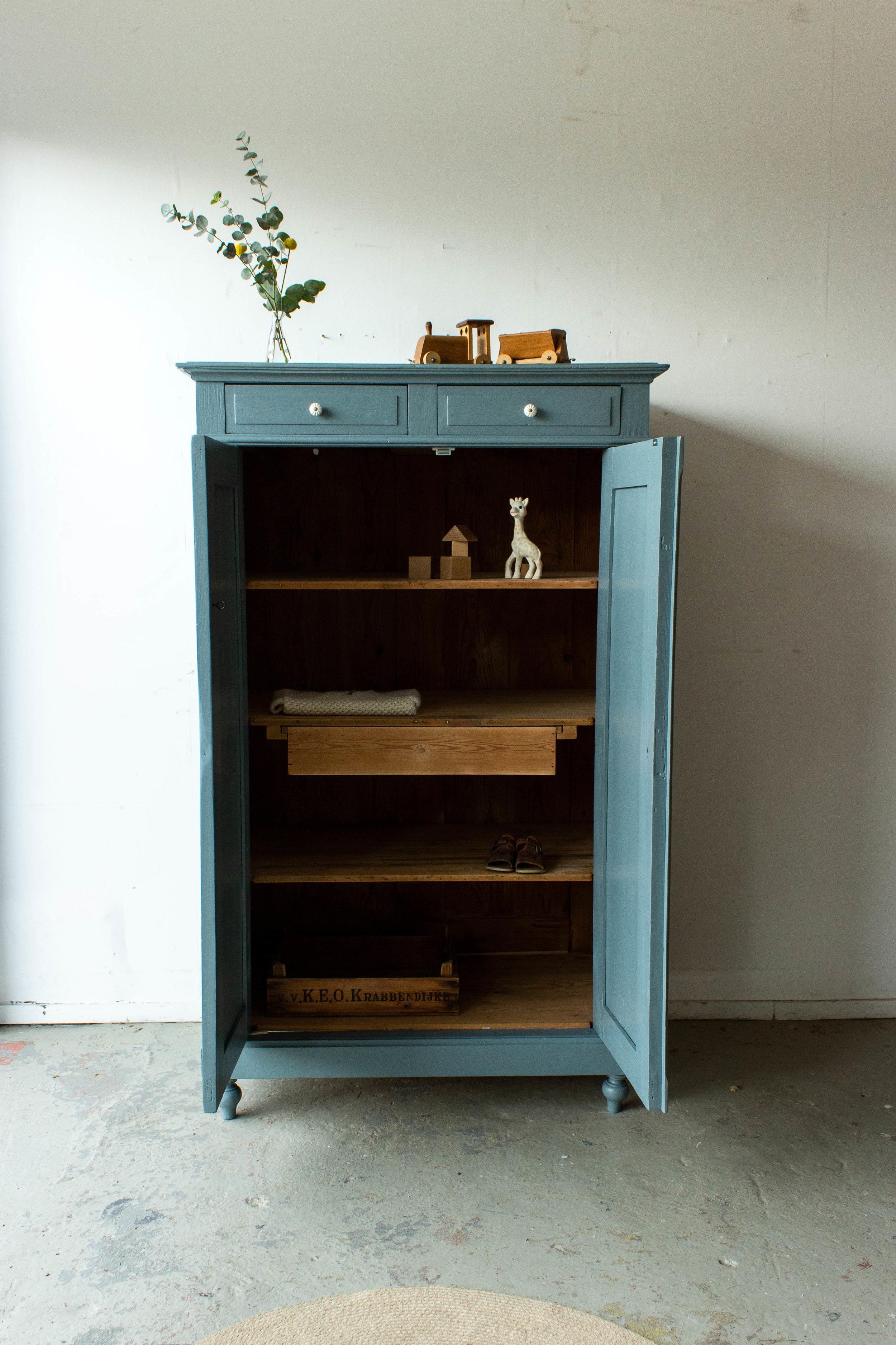 1491 - Grijsblauwe vintage meidenkast-3.jpg
