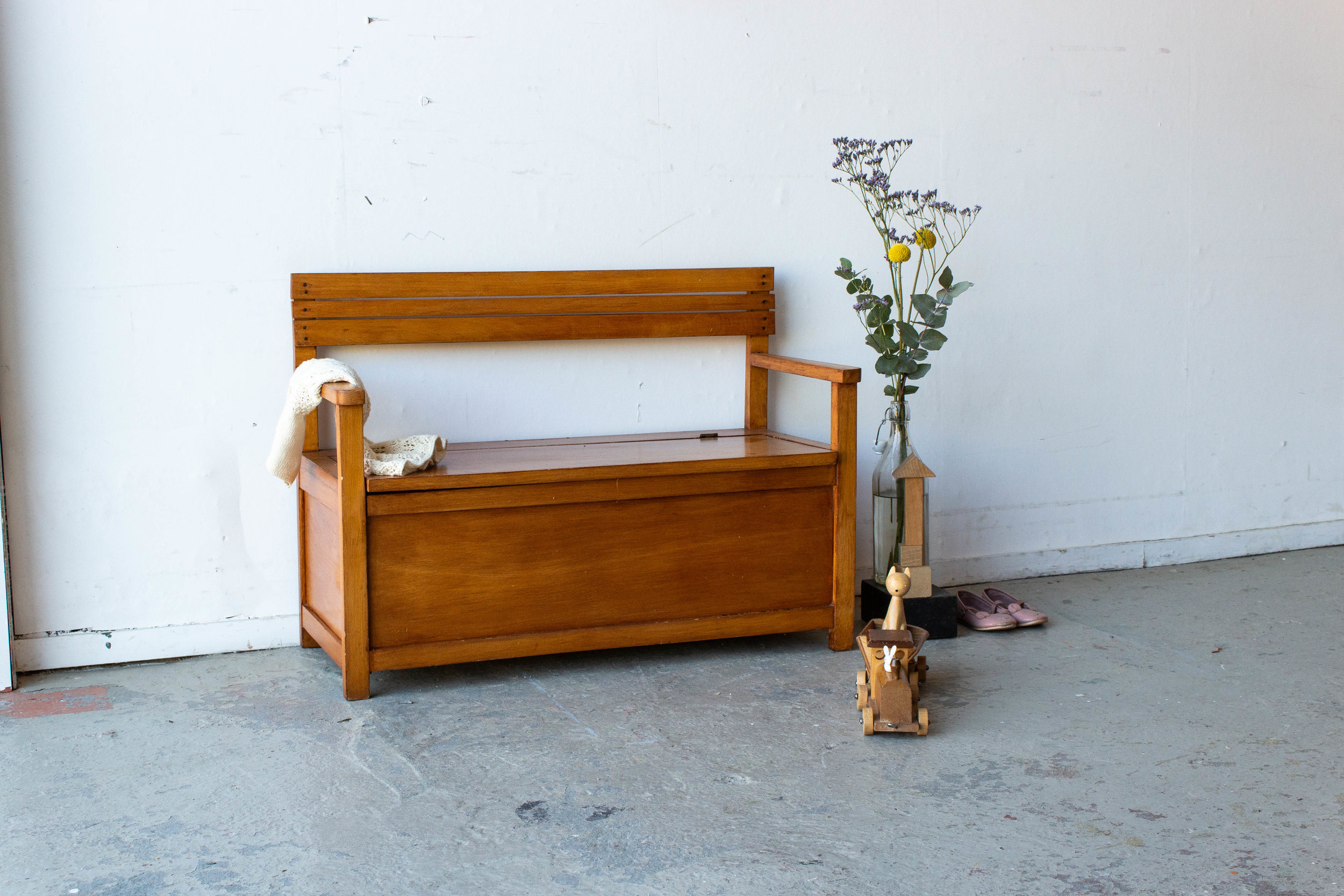 4102 - Houten vintage klepbankje.jpg
