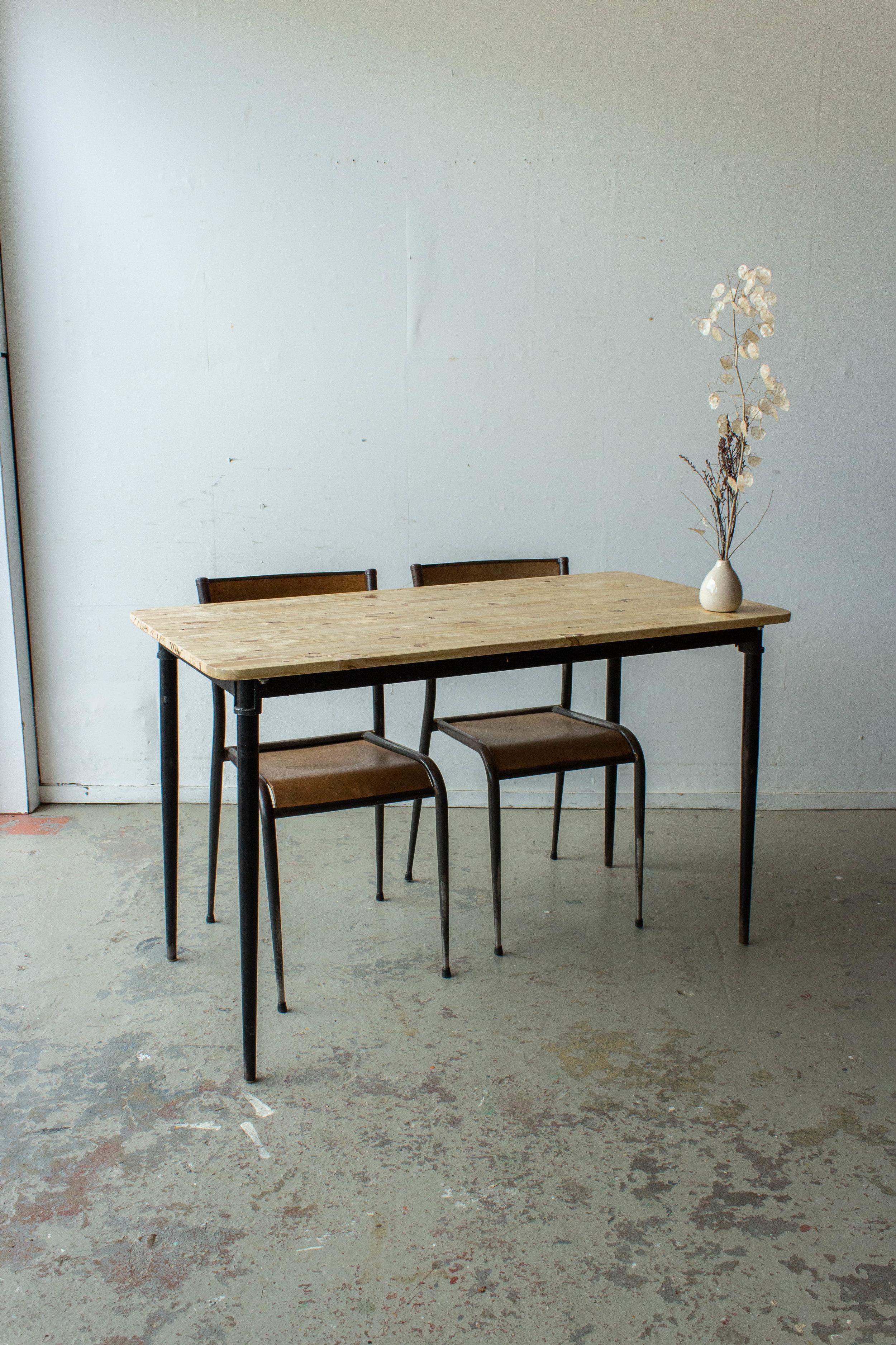 3190 - 2p vintage schooltafel zwart frame-5.jpg