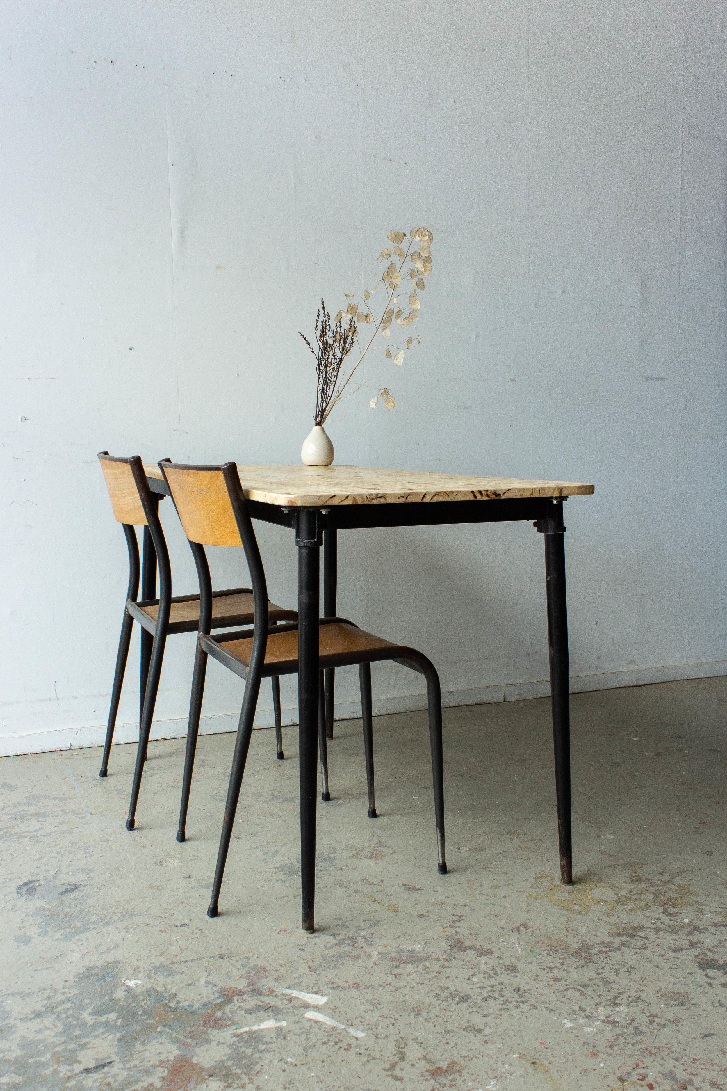 3190 - 2p vintage schooltafel zwart frame-4.jpg