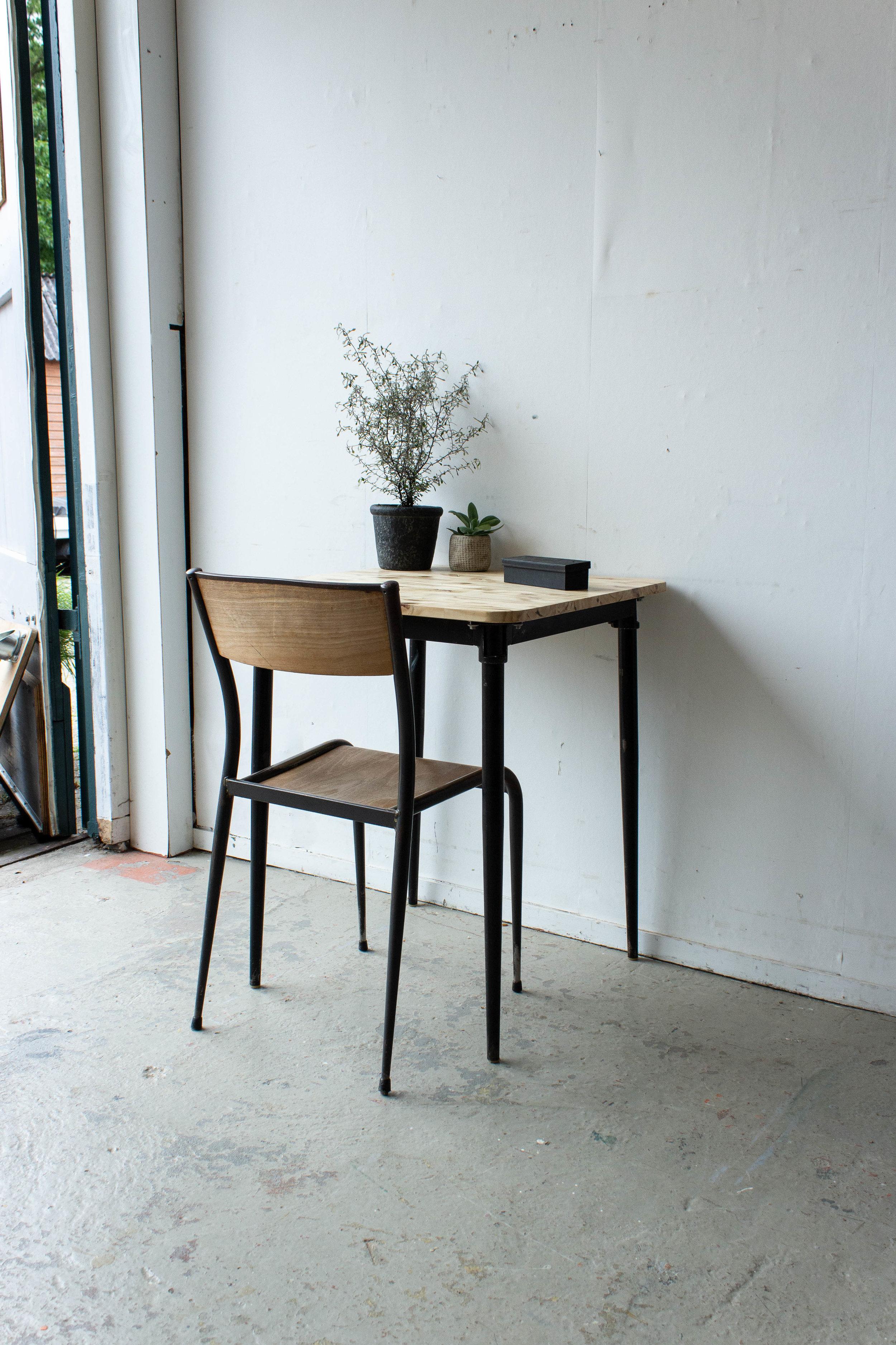 3189 - Eenpersoons schooltafel met zwarte puntpootjes-5.jpg