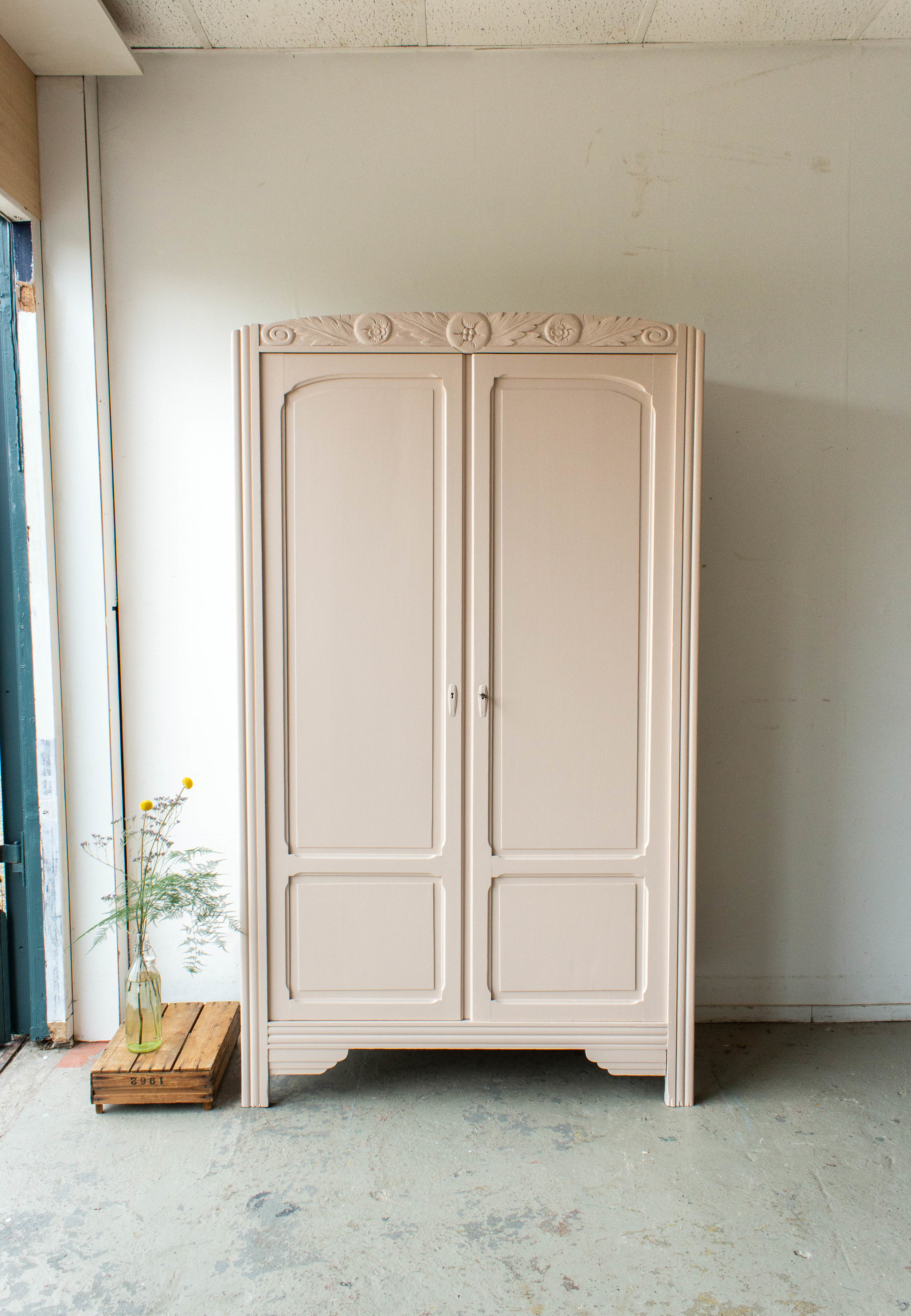 1552 - Bloesemroze vintage kledingkast-6.jpg