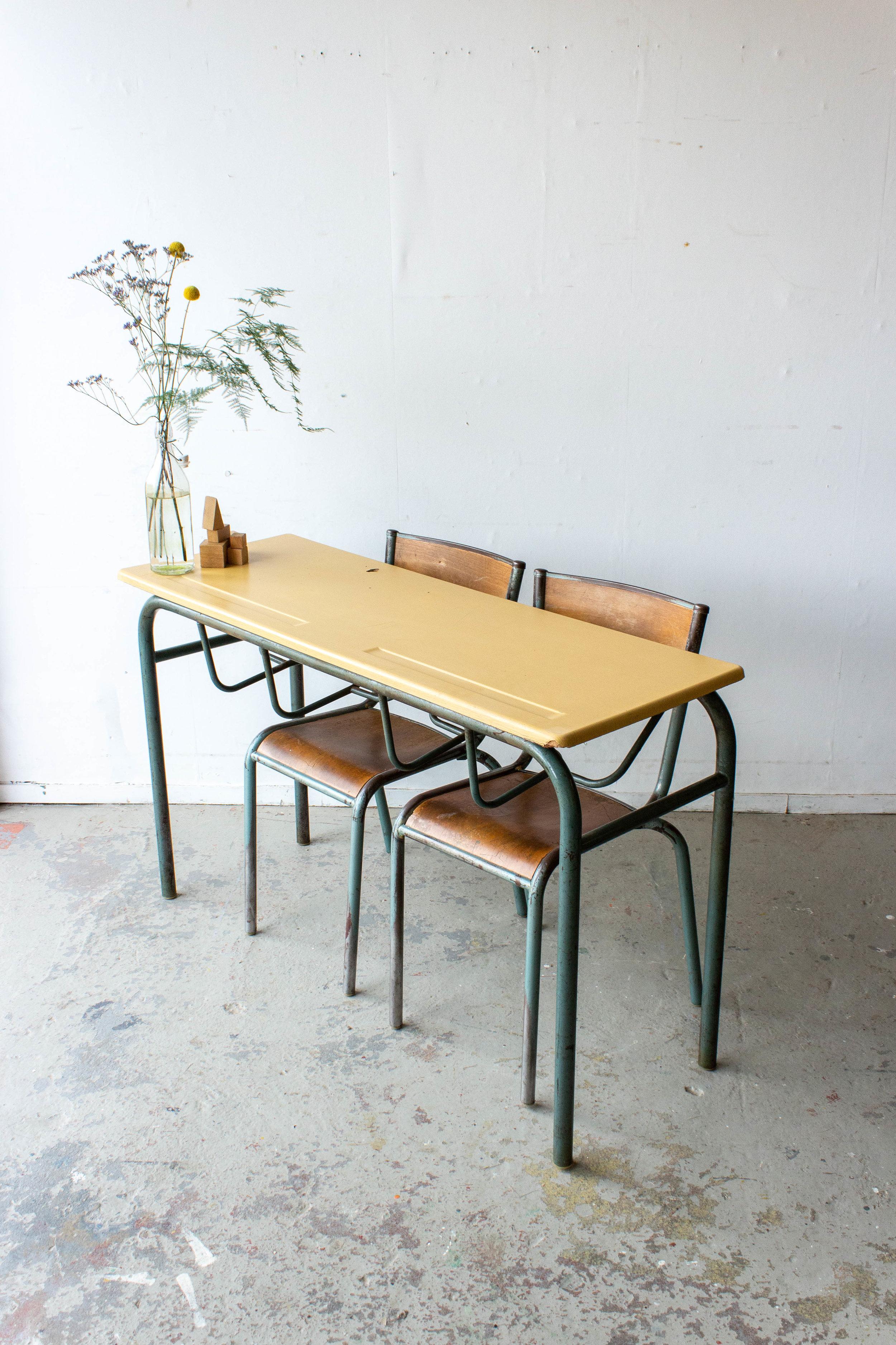 3151 - 2p vintage schooltafel met geel blad-6.jpg