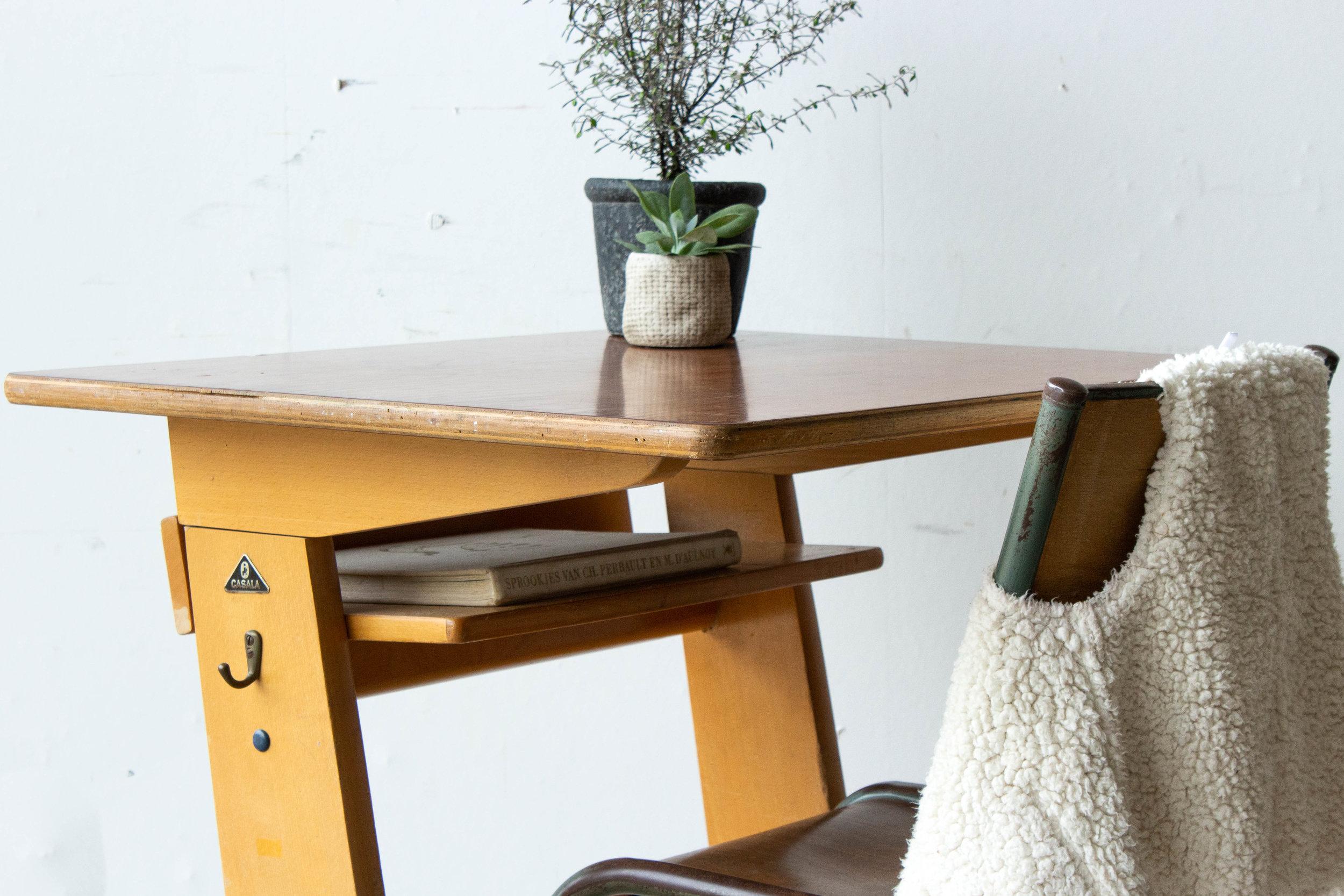 3157 - 1p houten schooltafel-5.jpg