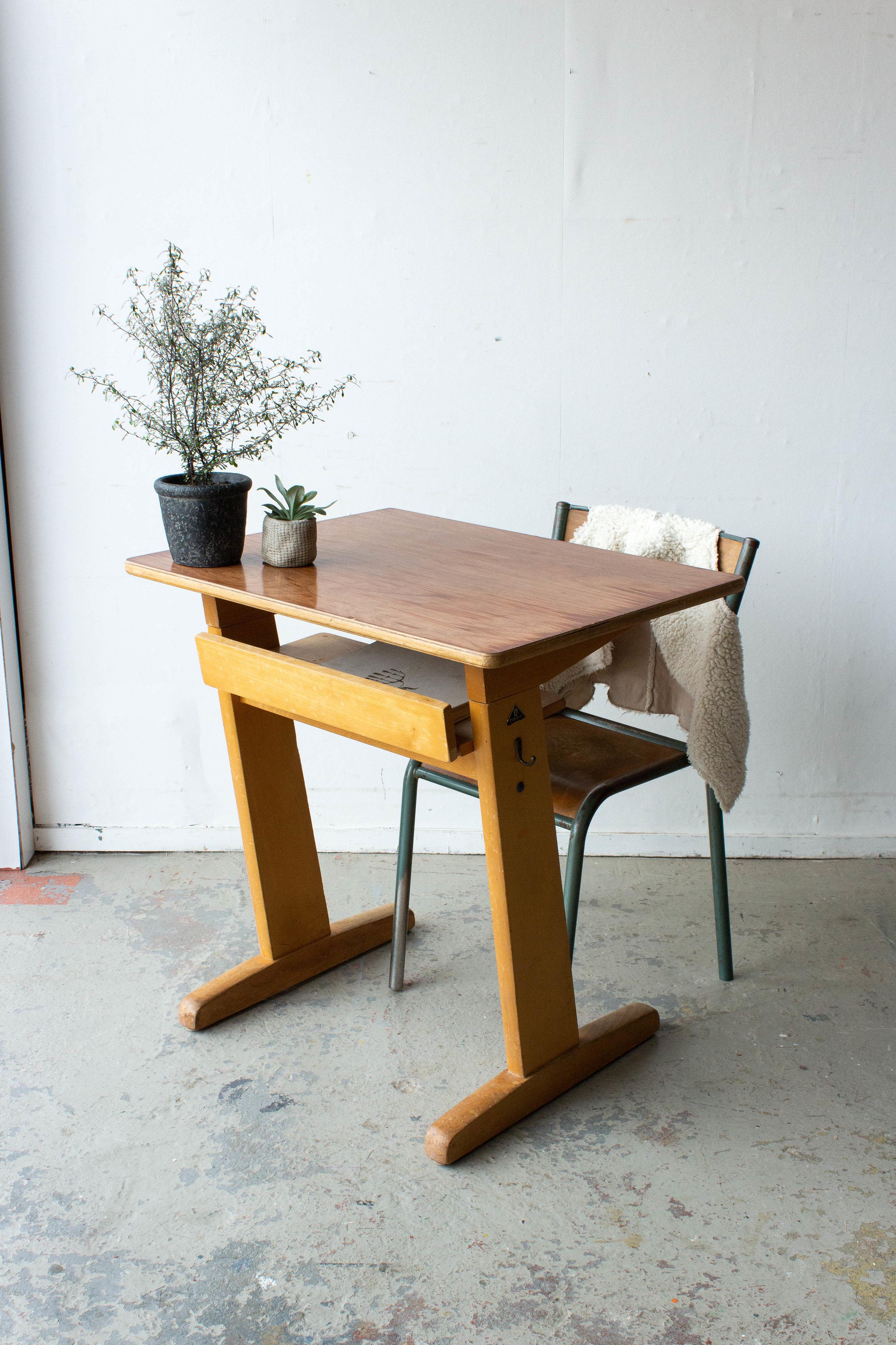 3157 - 1p houten schooltafel-6.jpg
