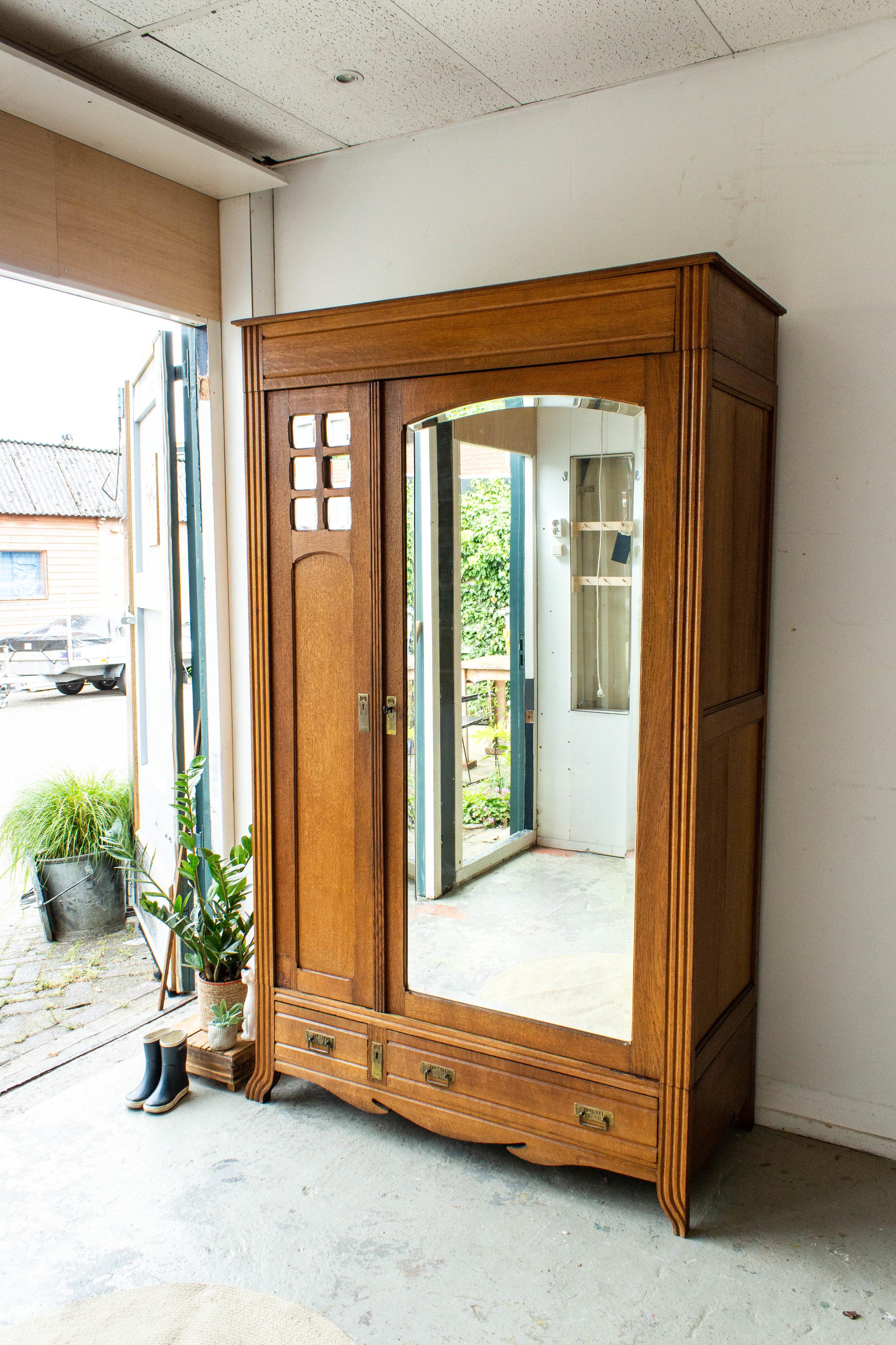 1558 - Demontabele vintage spiegelkast met vierkantjes.jpg