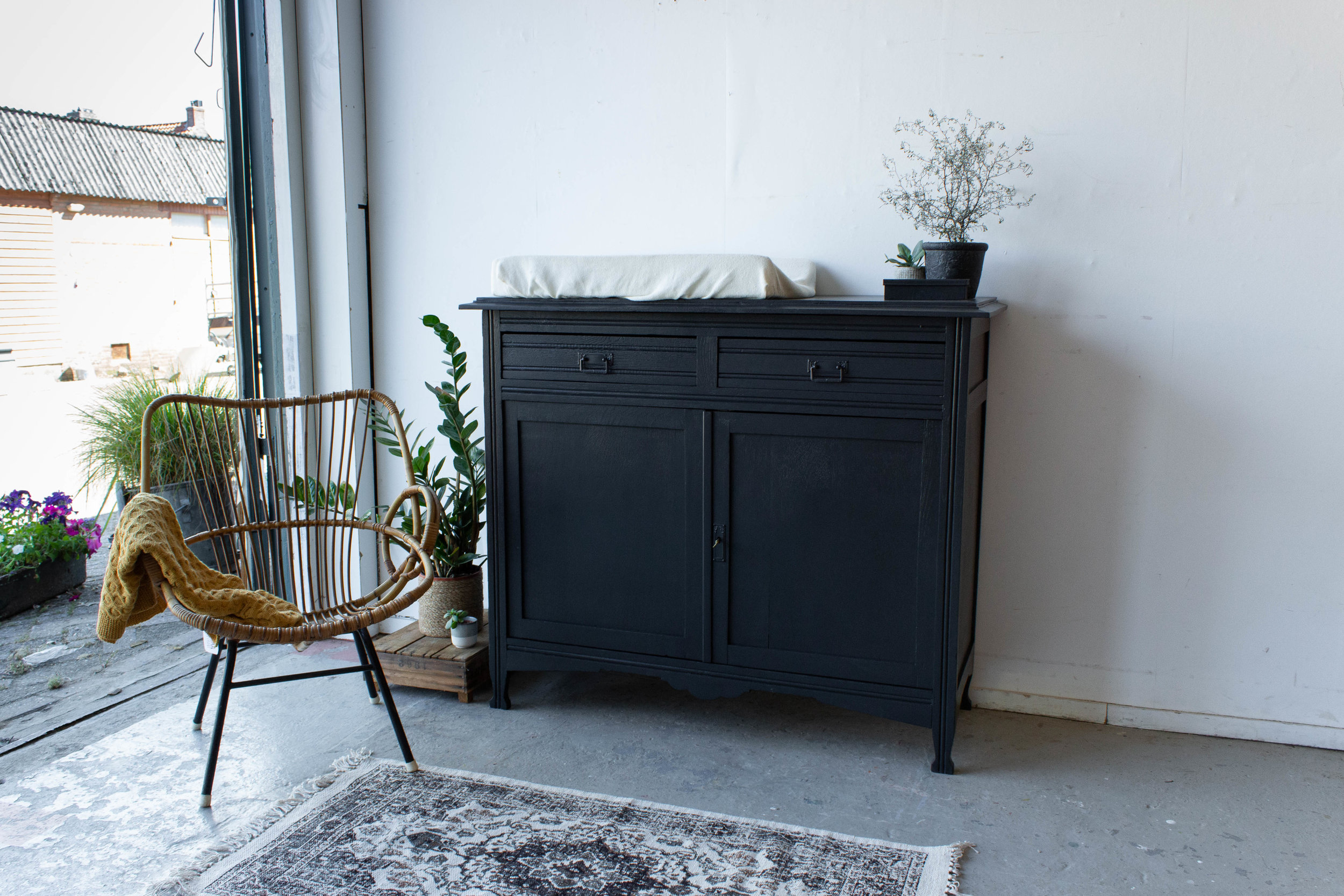 Off black vintage commode - Firma Zoethout