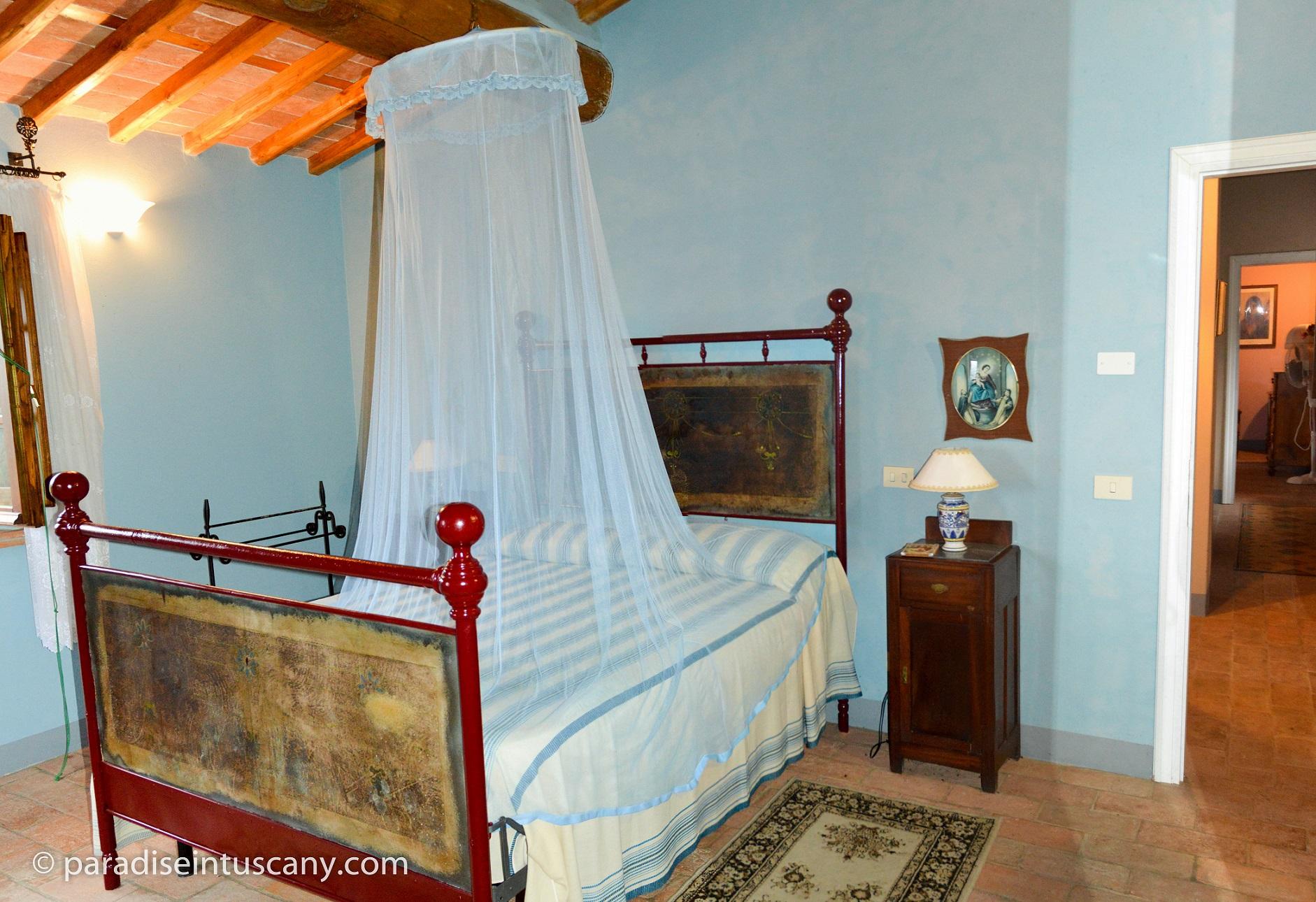 10 - Bedroom 2.jpg