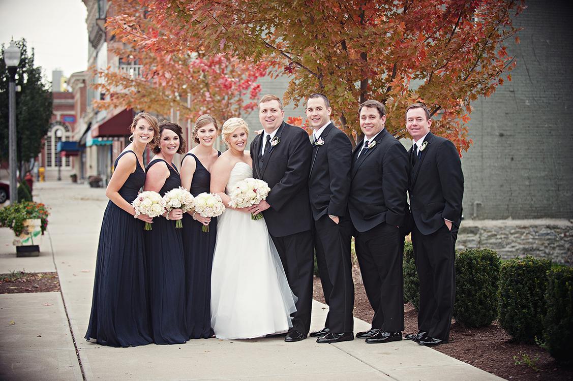 Flowers by Cincinnati wedding florist Floral Verde LLC. Image by Leah Robbins Photography .