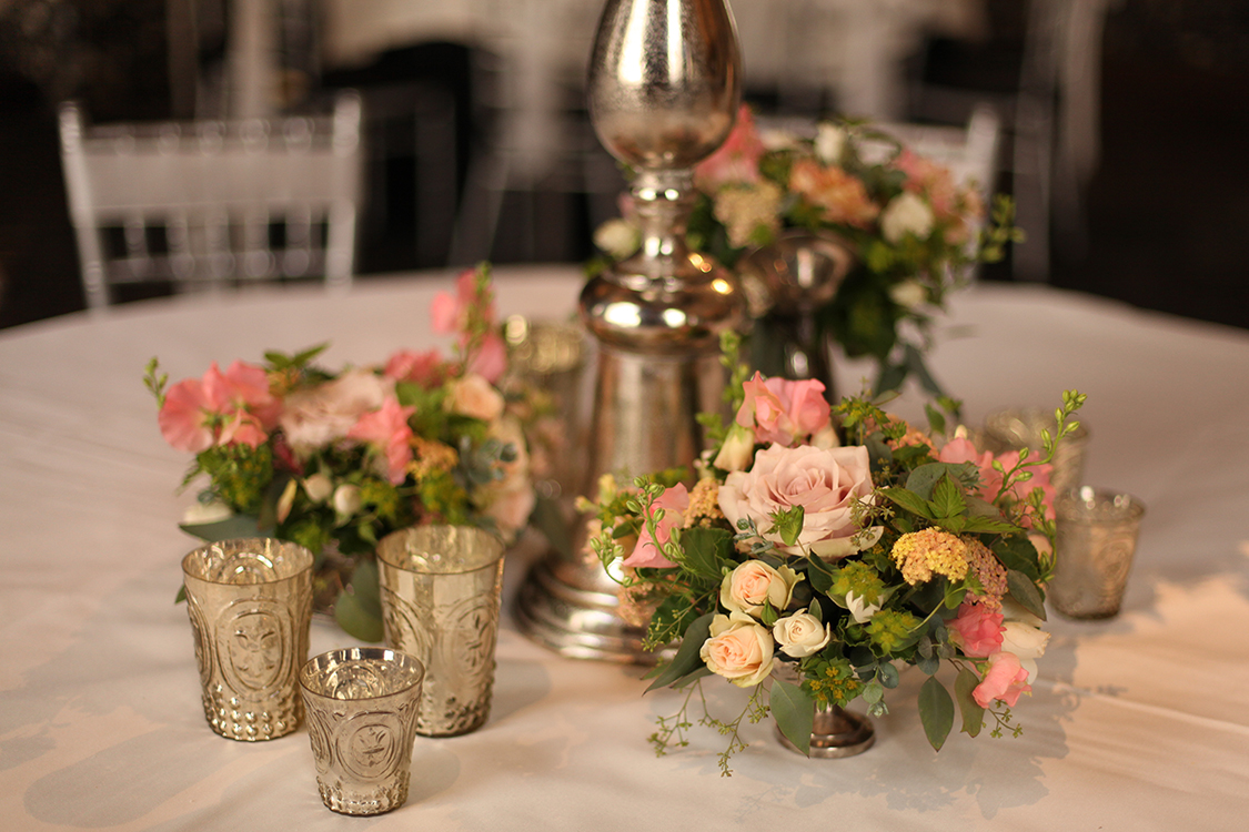 Garden centerpiece in the Continental Room at the Hilton Netherland Plaza Hotel, by Cincinnati wedding florist Floral Verde LLC.