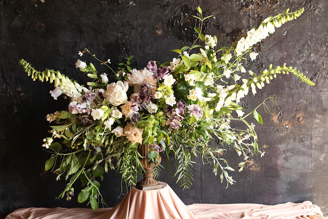 Large scale arrangement by Cincinnati wedding florist Floral Verde.