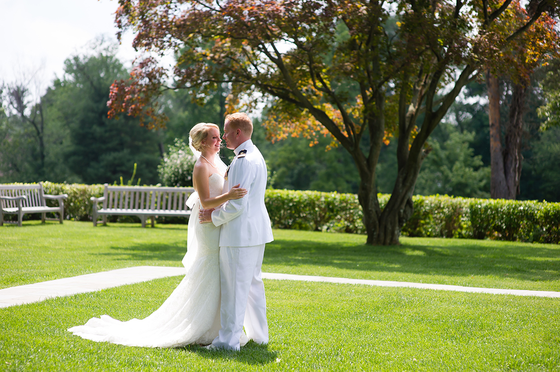 Wedding at Pinecroft Mansion, Cincinnati, Ohio. Flowers by Floral Verde LLC. Photo by Mandy Leigh Photography.
