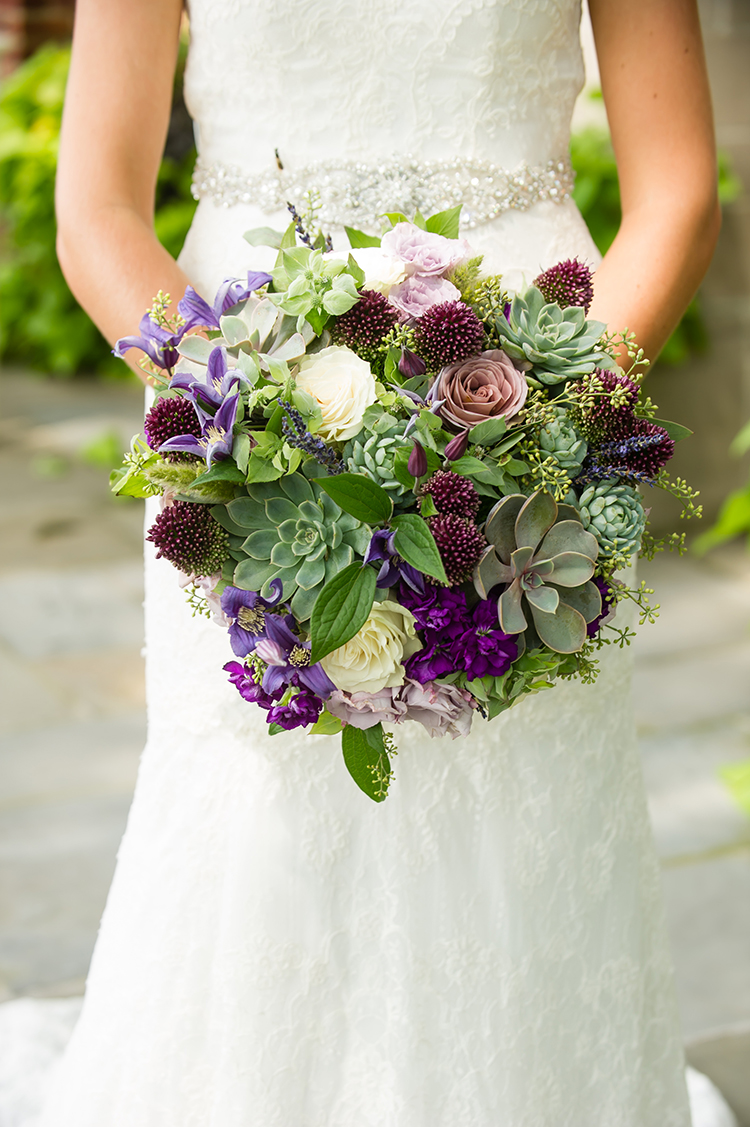 Bridal bouquet for wedding at Pinecroft Mansion, Cincinnati, Ohio. Flowers by Floral Verde LLC. Photo by Mandy Leigh Photography.