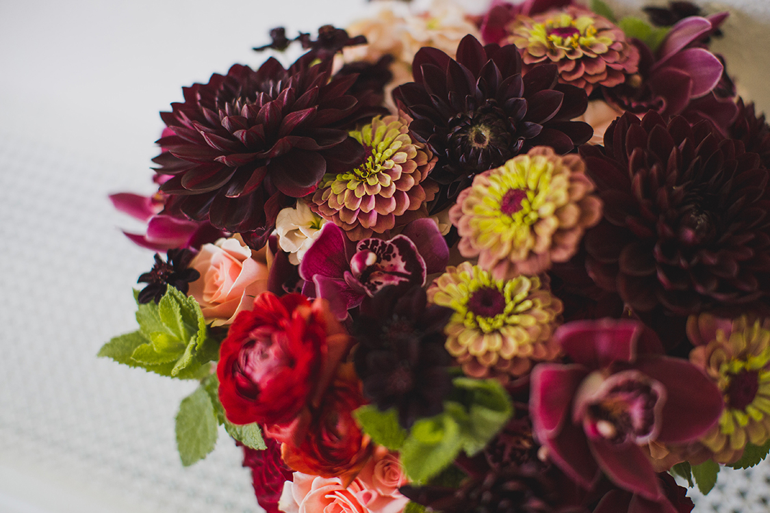 Bridal bouquet at Pinecroft Mansion, Cincinnati, Ohio. Flowers by Floral Verde LLC. Photo by Carly Short Photography.