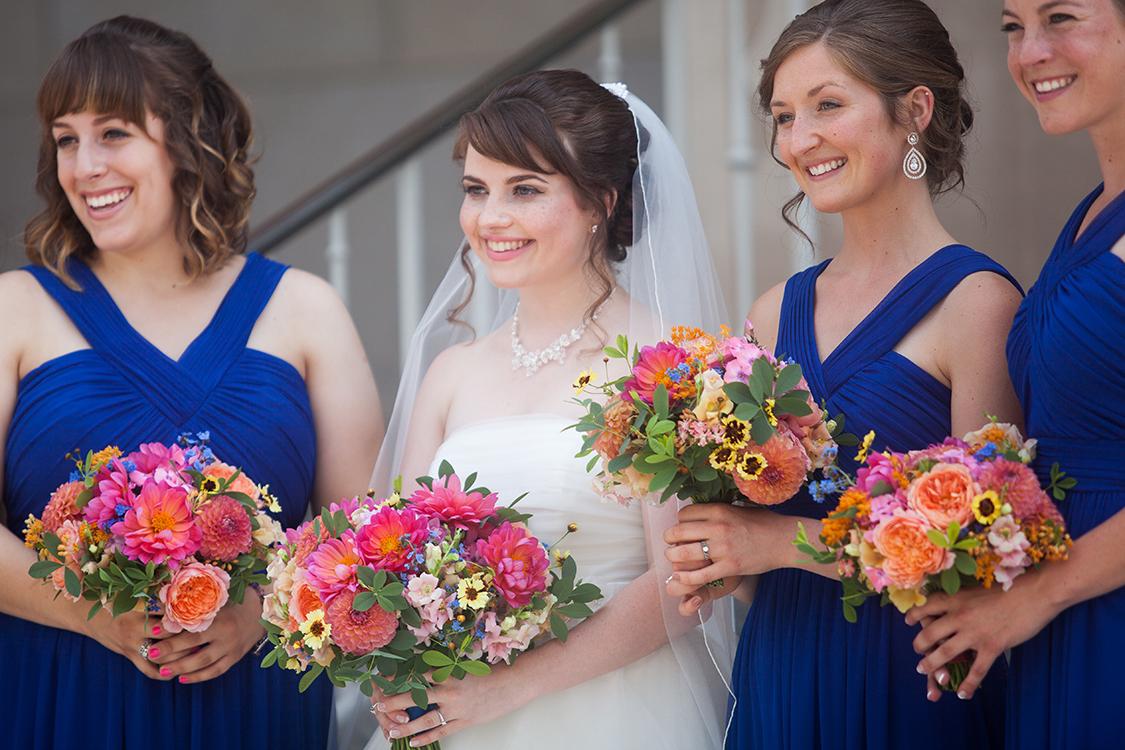 Wedding at the Cincinnati Art Museum, Cincinnati, Ohio. Flowers by Floral Verde LLC. Photo by Shelby Street Photography.
