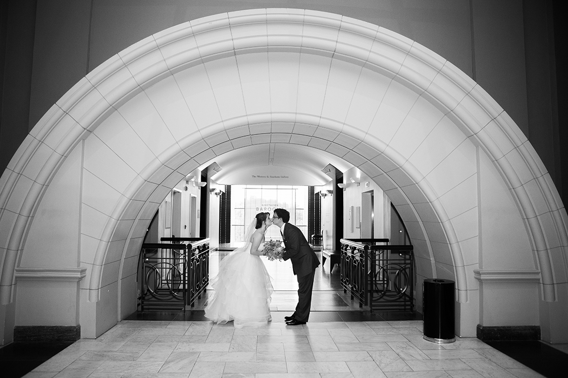 Wedding photos at the Cincinnati Art Museum, Cincinnati, Ohio. Flowers by Floral Verde LLC. Photo by Shelby Street Photography.
