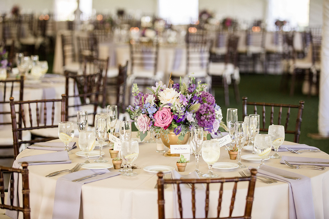Wedding Reception at the French House Cincinnati, Ohio. Flowers by Floral Verde. Photo by Leah Barry Photography.