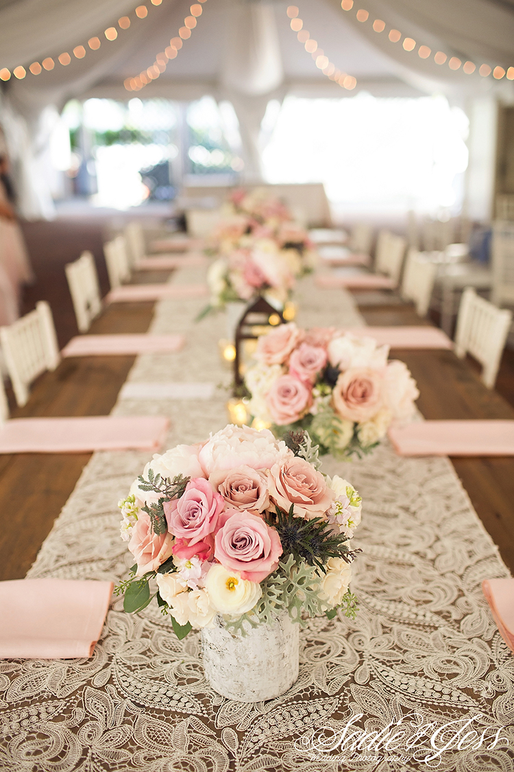 Wedding Reception at the Taft Museum of Art Cincinnati, Ohio. Flowers by Floral Verde. Photo by Sadie and Jess.