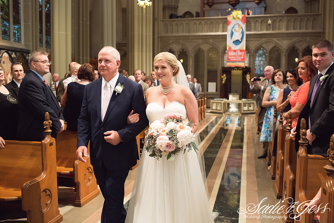 Wedding Ceremony at Cathedral Basilica of the Assumption in Covington, Kentucky, Ohio. Flowers by Floral Verde. Photo by Sadie and Jess.