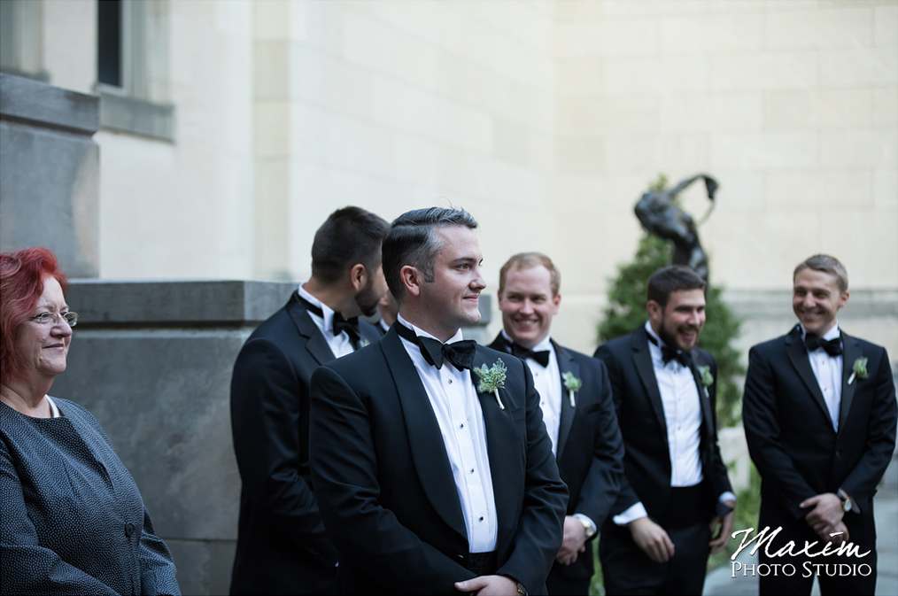 Wedding Ceremony at the Cincinnati Art Museum. Flowers by Floral Verde. Photo by Maxim Photo Studio.