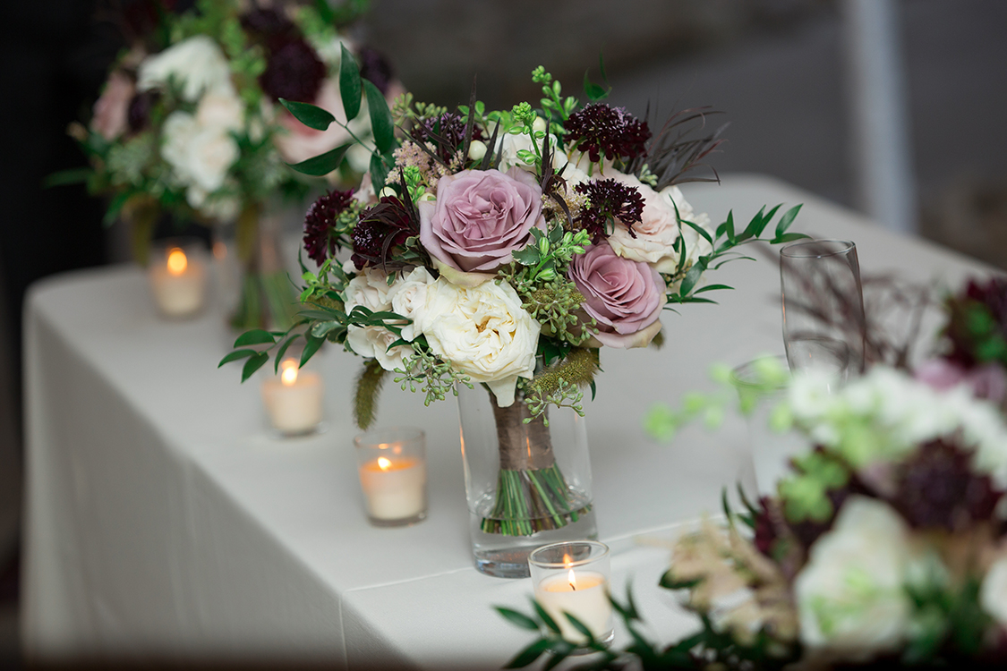 Wedding reception at the Inn at Oneonta, Melbourne, Kentucky. Flowers by Floral Verde. Photo by Magic Memory Works Photography.