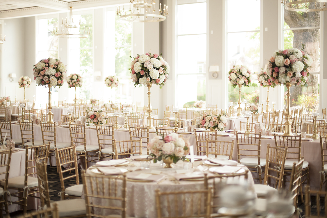 Tall blush and white centerpiece at The Carrick House in Lexington, by Cincinnati wedding florist Floral Verde.
