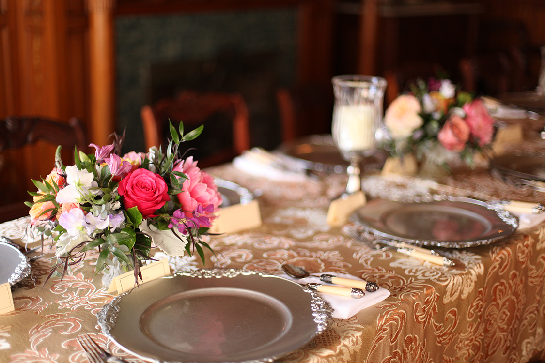 Wedding ceremony and reception at Wiedemann Hill Mansion in Newport, Kentucky. Flowers by Floral Verde.