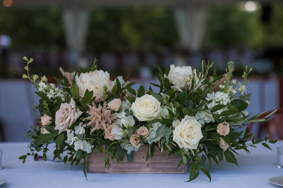 Wedding at the Greenacres Arts Center in Cincinnati, Ohio. Flowers by Floral Verde. Photo by Studio 22 Photography.