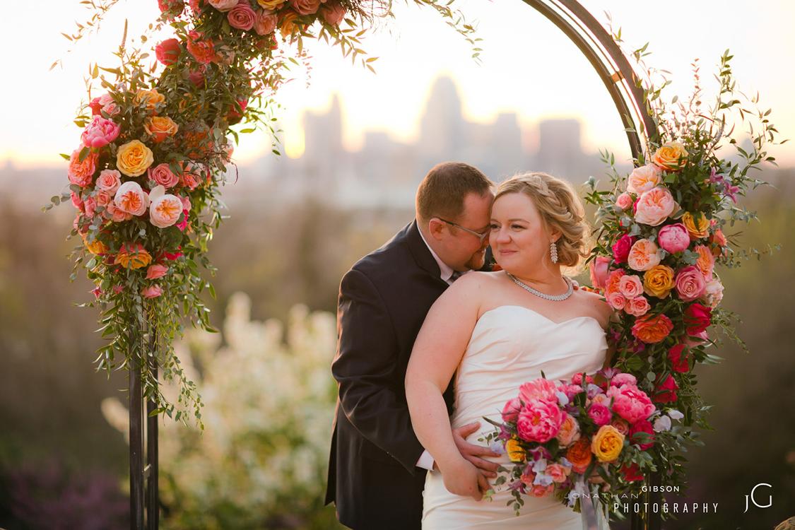wedding-at-Weidemann-Hill-Mansion-Newport-Kentucky-Jonathan-Gibson-Photography-Floral-Verde-flowers-160.jpg