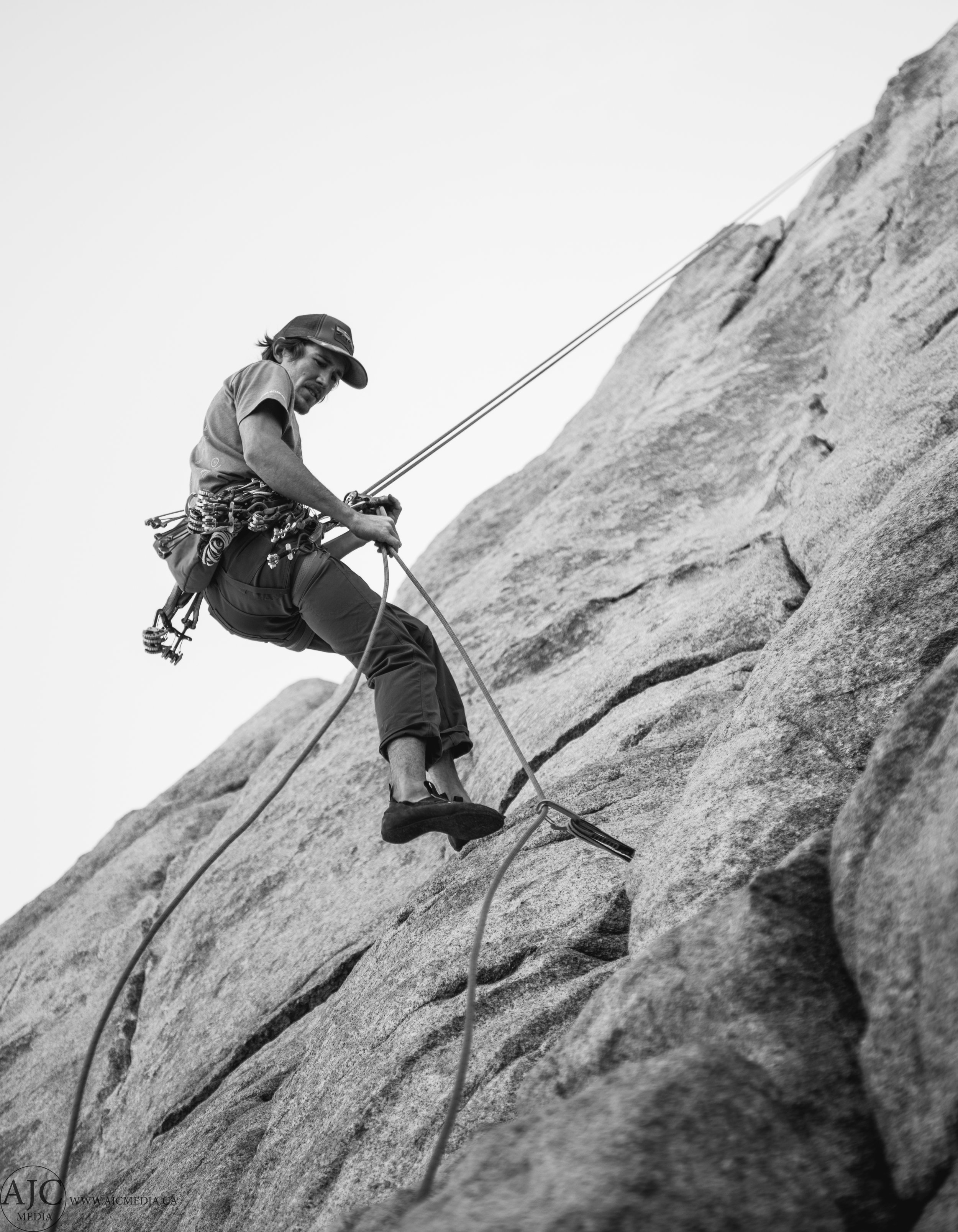 I often wish that I was actually shooting in black and white film back in the 60's when climbers were first discovering many of the now popular routes in J-Tree...this shot kind of eludes that narrative.