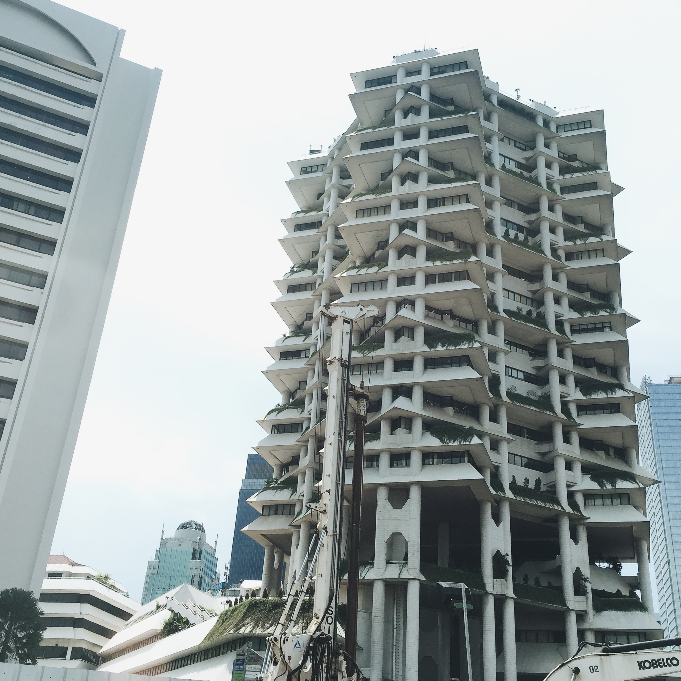 The Intiland Tower, designed by Paul Rudolph in 1986, as seen from my taxi while sitting in grid-lock traffic.