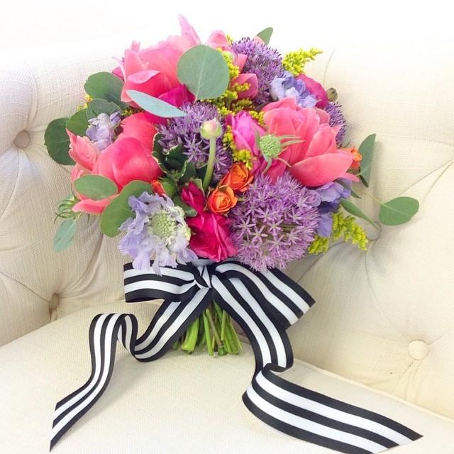 cd 1010001_10152328020640734_1568880270_n posh floral designs.jpg