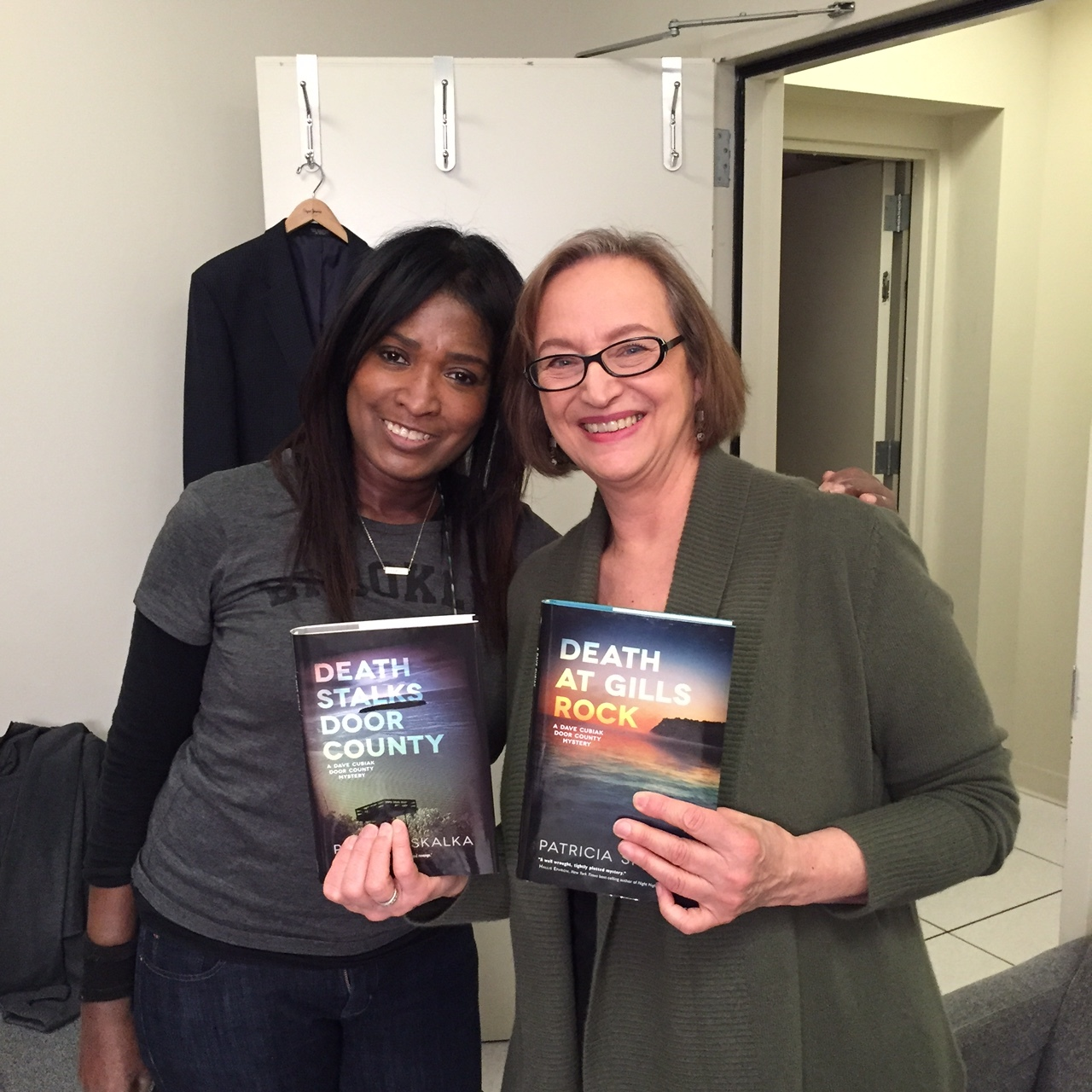 With makeup artist DeLisa Lee prior to taping for spring Mystery Marathon on WYCC, Chicago 2016